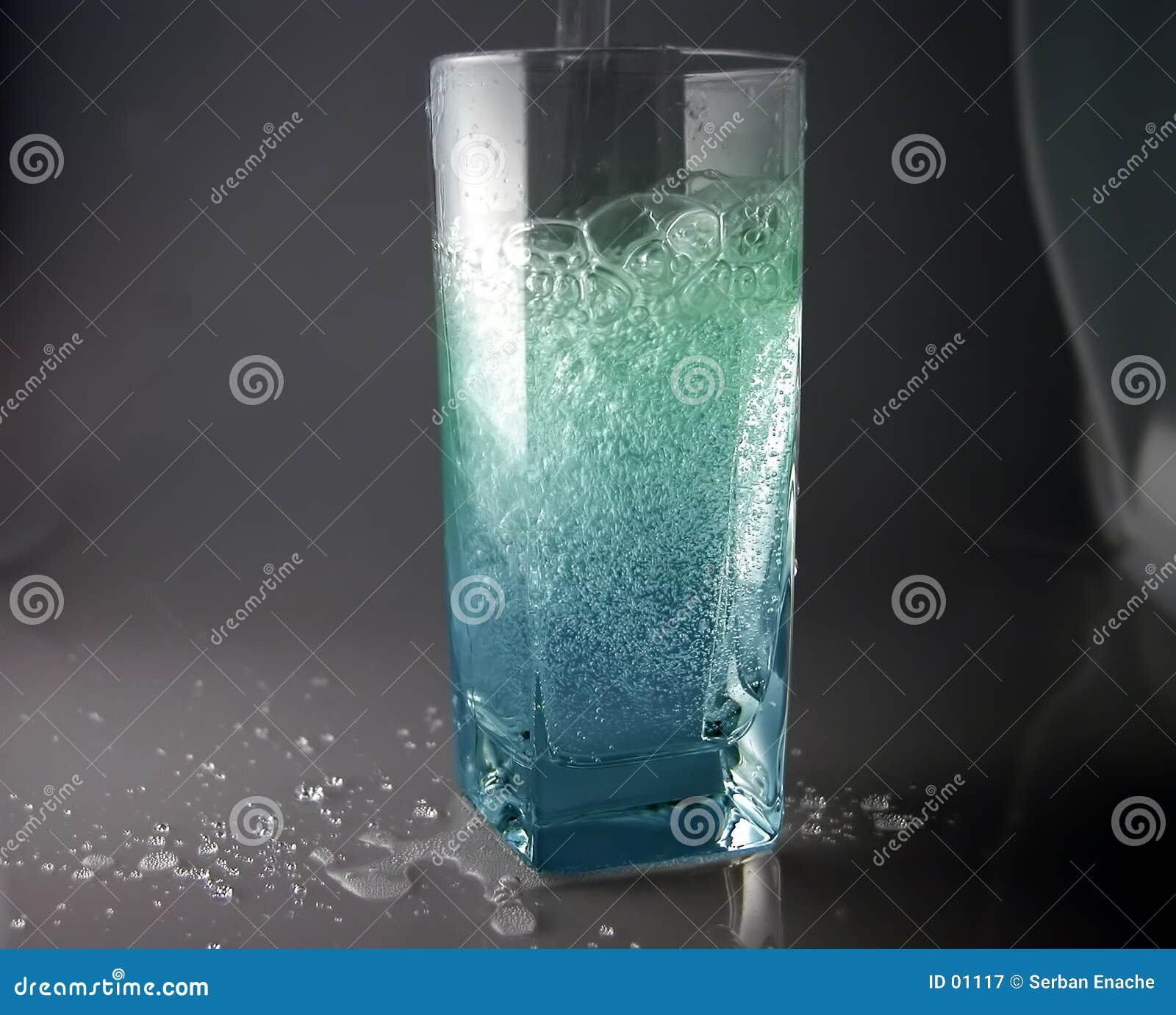 L eau de pétillement