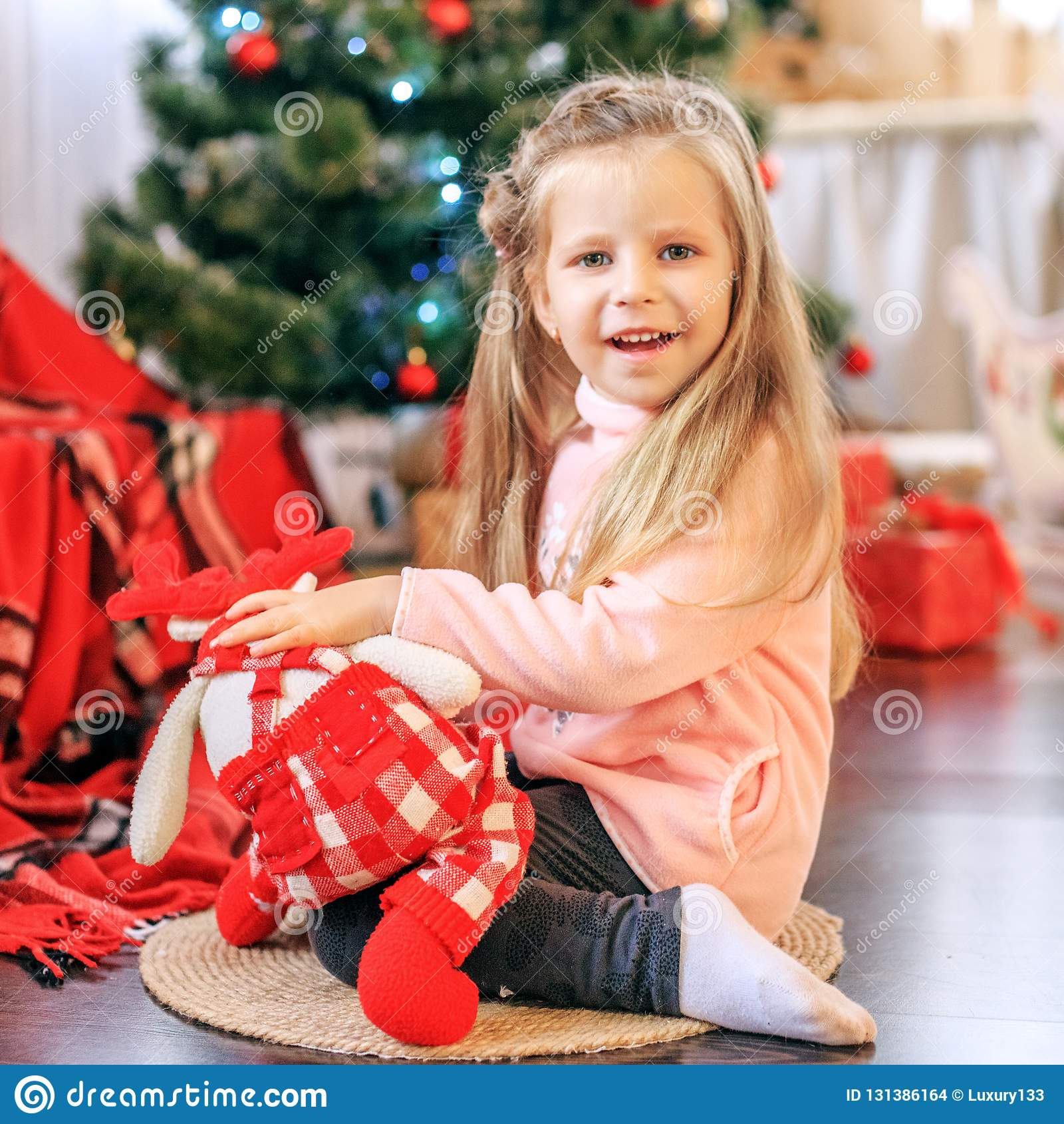 L enfant est un jouet Nouvelle année de concept, Joyeux Noël, vacances,