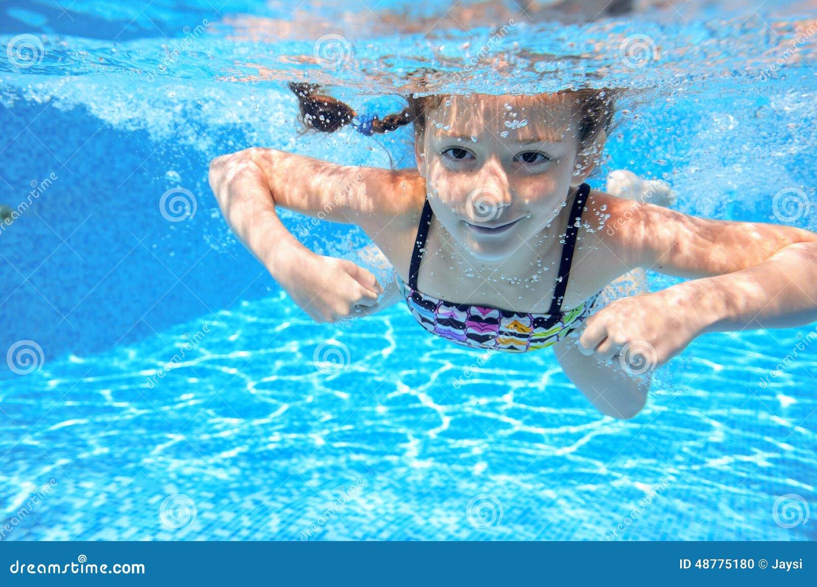 fille sous l'eau Photo #10226930 - frdepositphotoscom