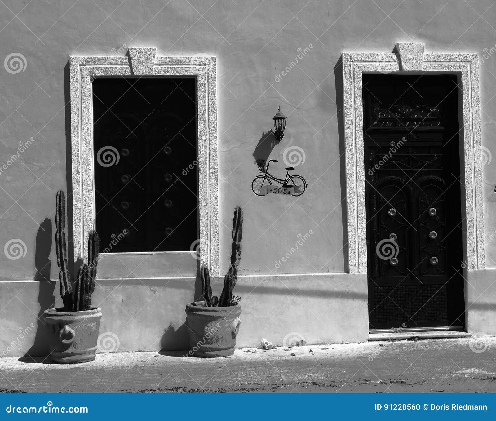 Entrée Noir Et Blanc l'entrée principale loge l'architecture mexique noir et