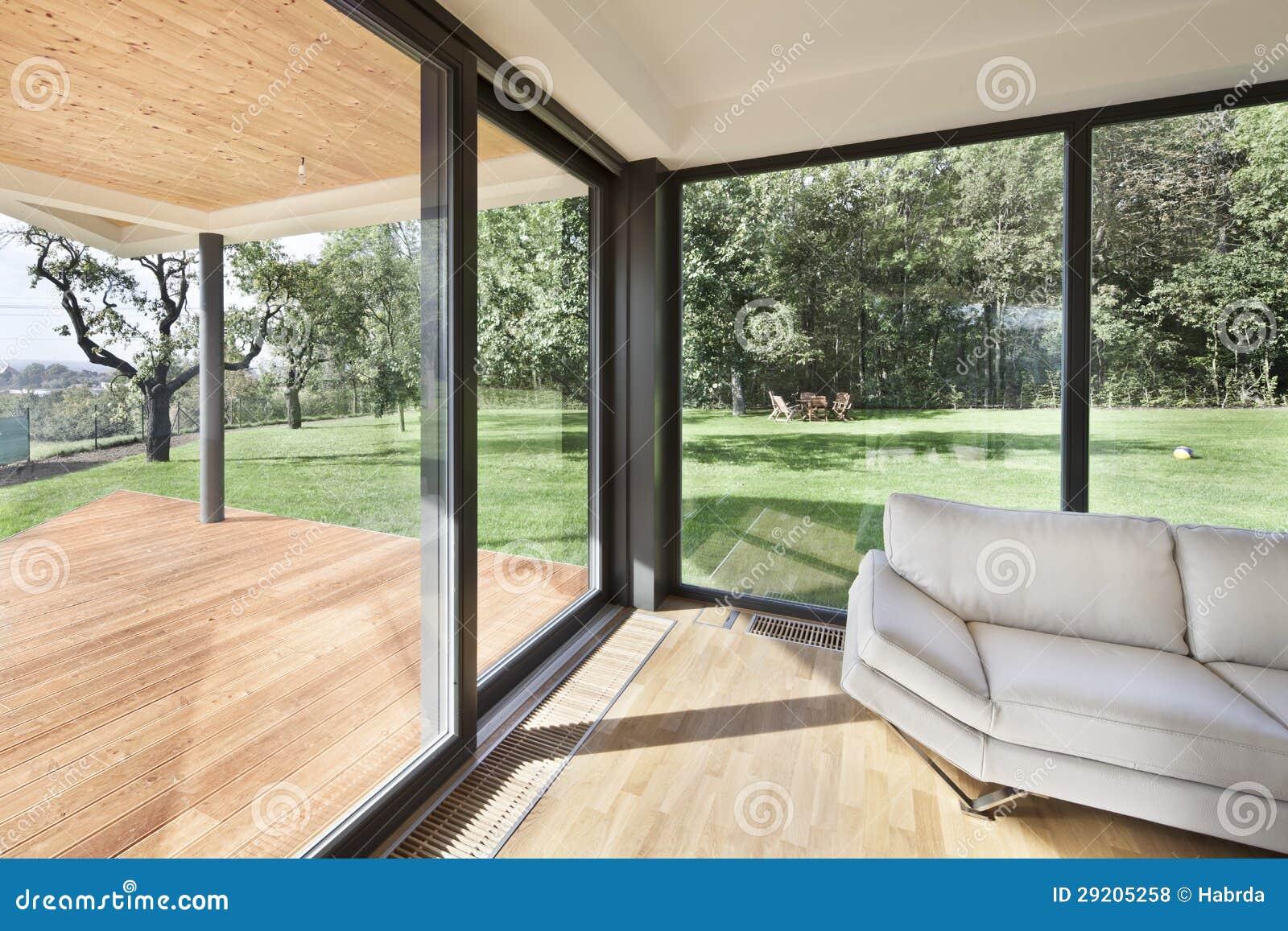 L 39 espace ouvert l 39 int rieur neuf de la maison de famille for L interieur de la maison