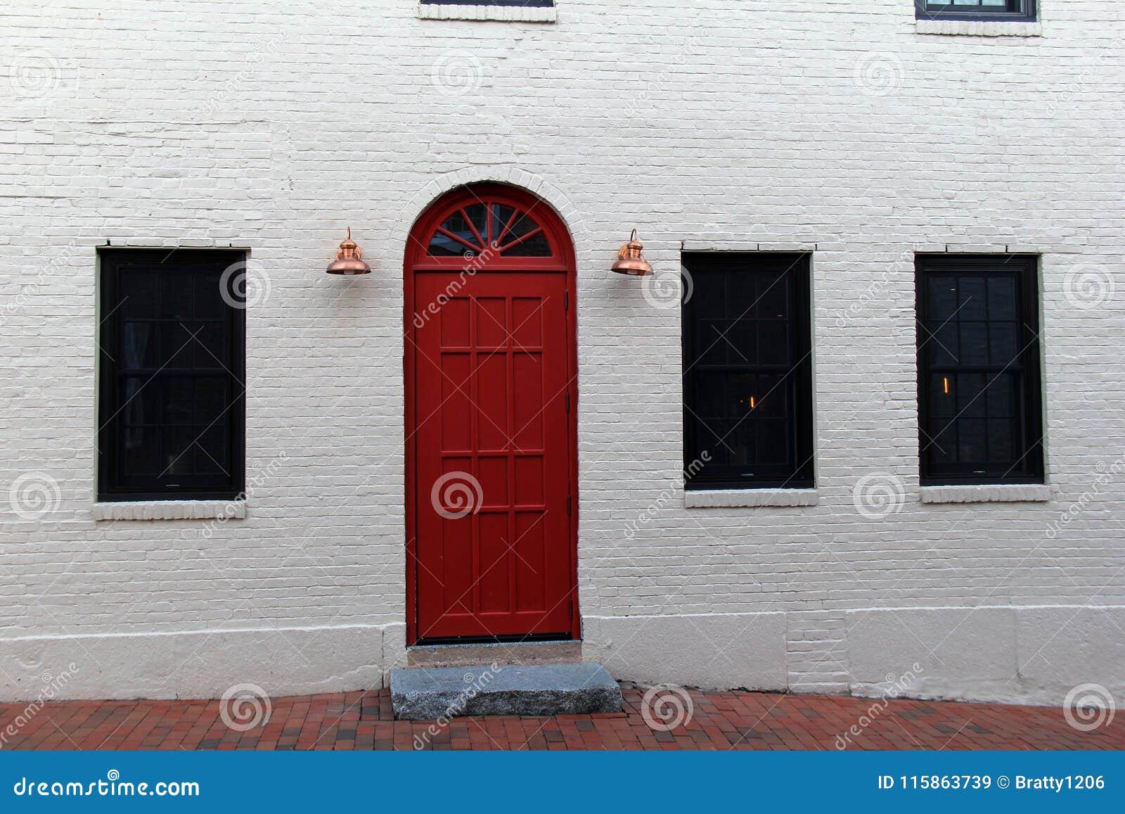 Mattoni Bianchi Per Esterni l'esterno di costruzione con il bianco ha dipinto il mattone