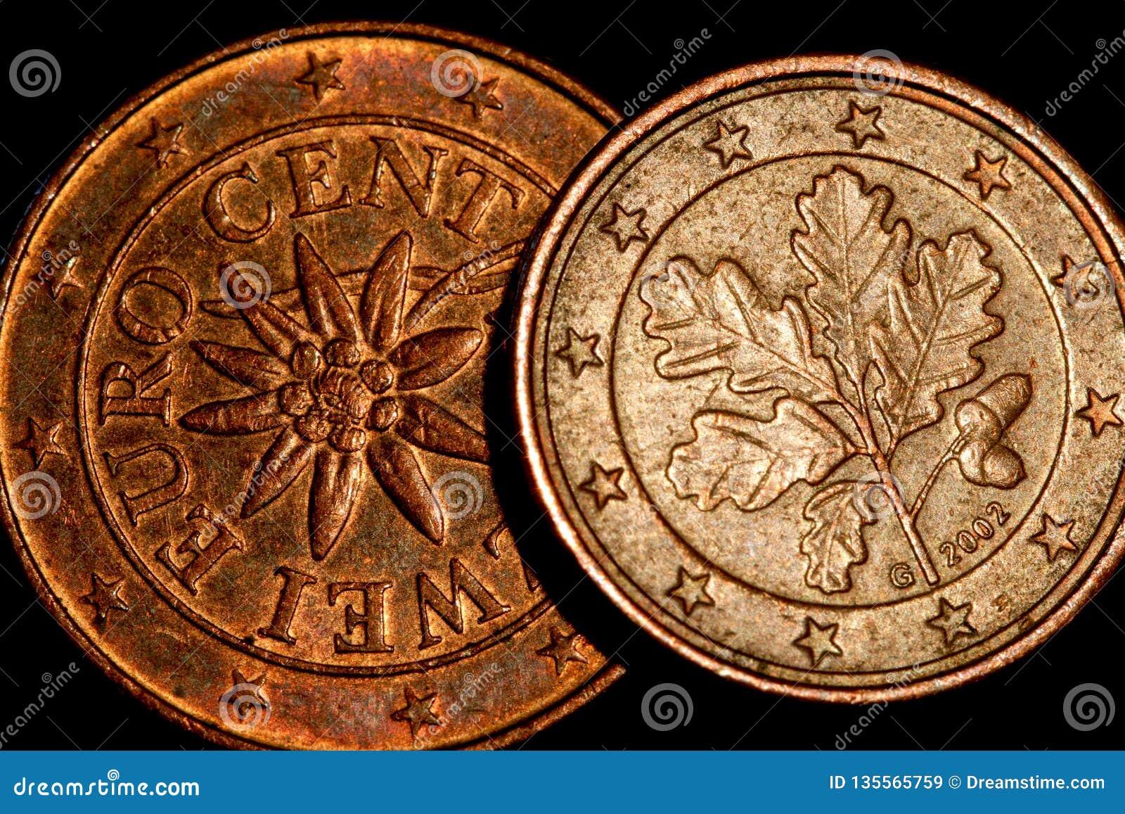L euro conia il primo piano dei soldi