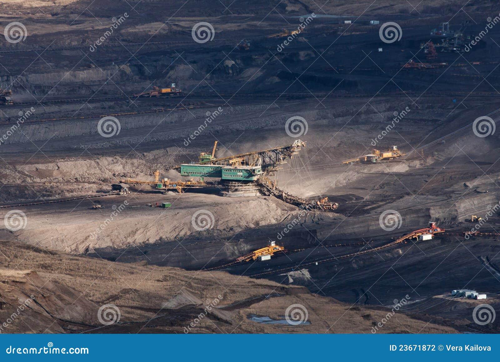 L excavatrice en charbon à ciel ouvert
