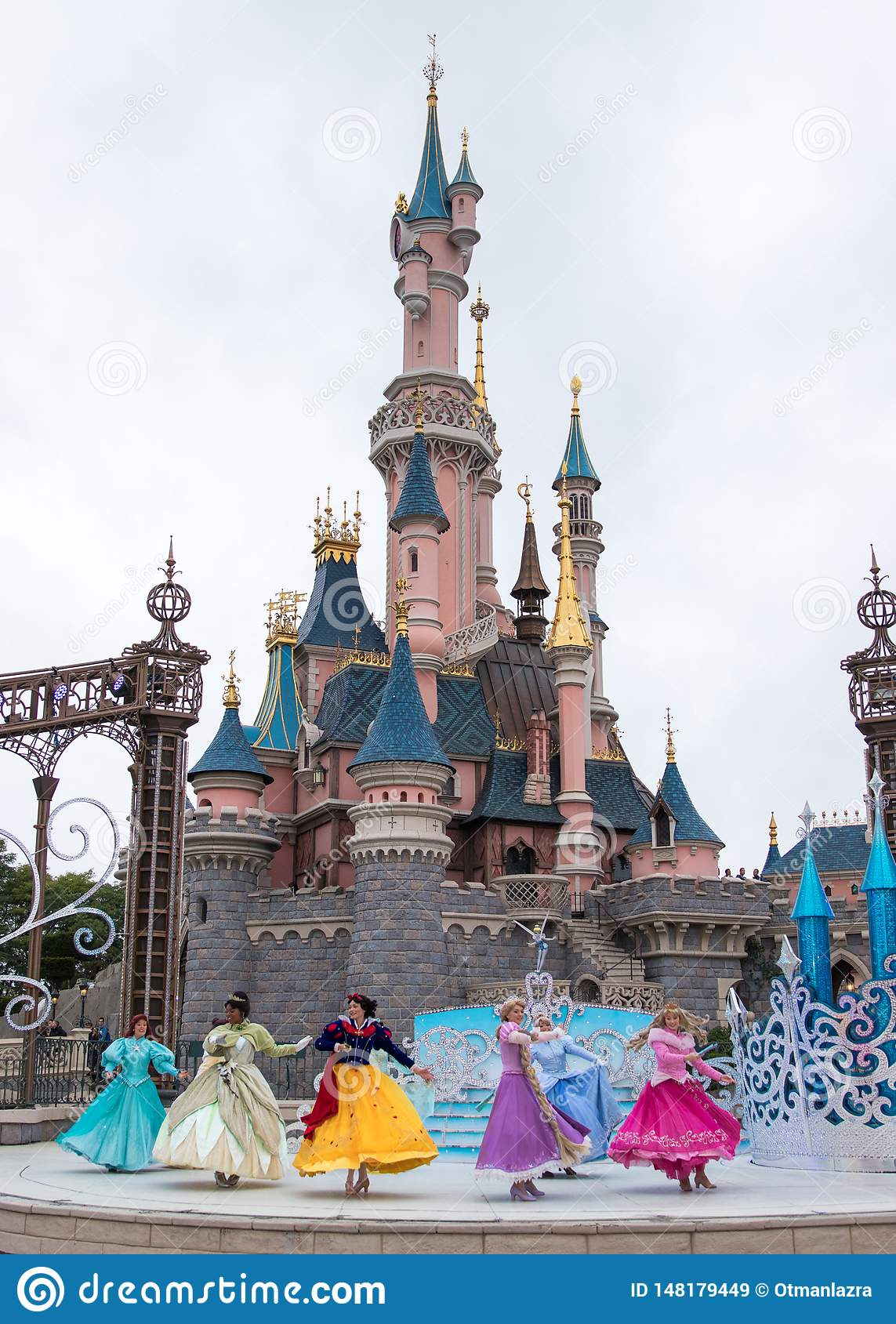 L exposition de princesse de Disney chez Disneyland Paris
