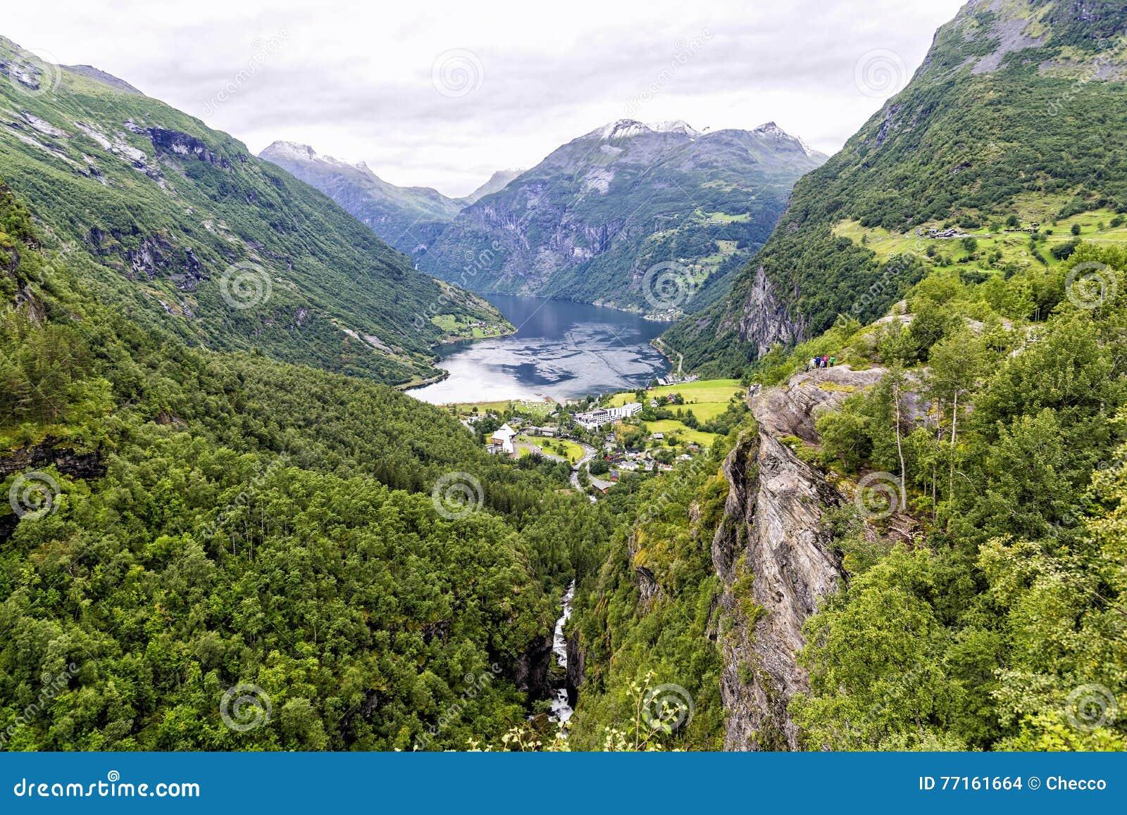 L extrémité du fjord de Geiranger en Norvège