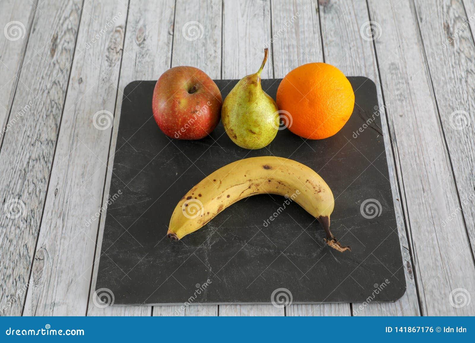 L?gumes frais sur la table en bois