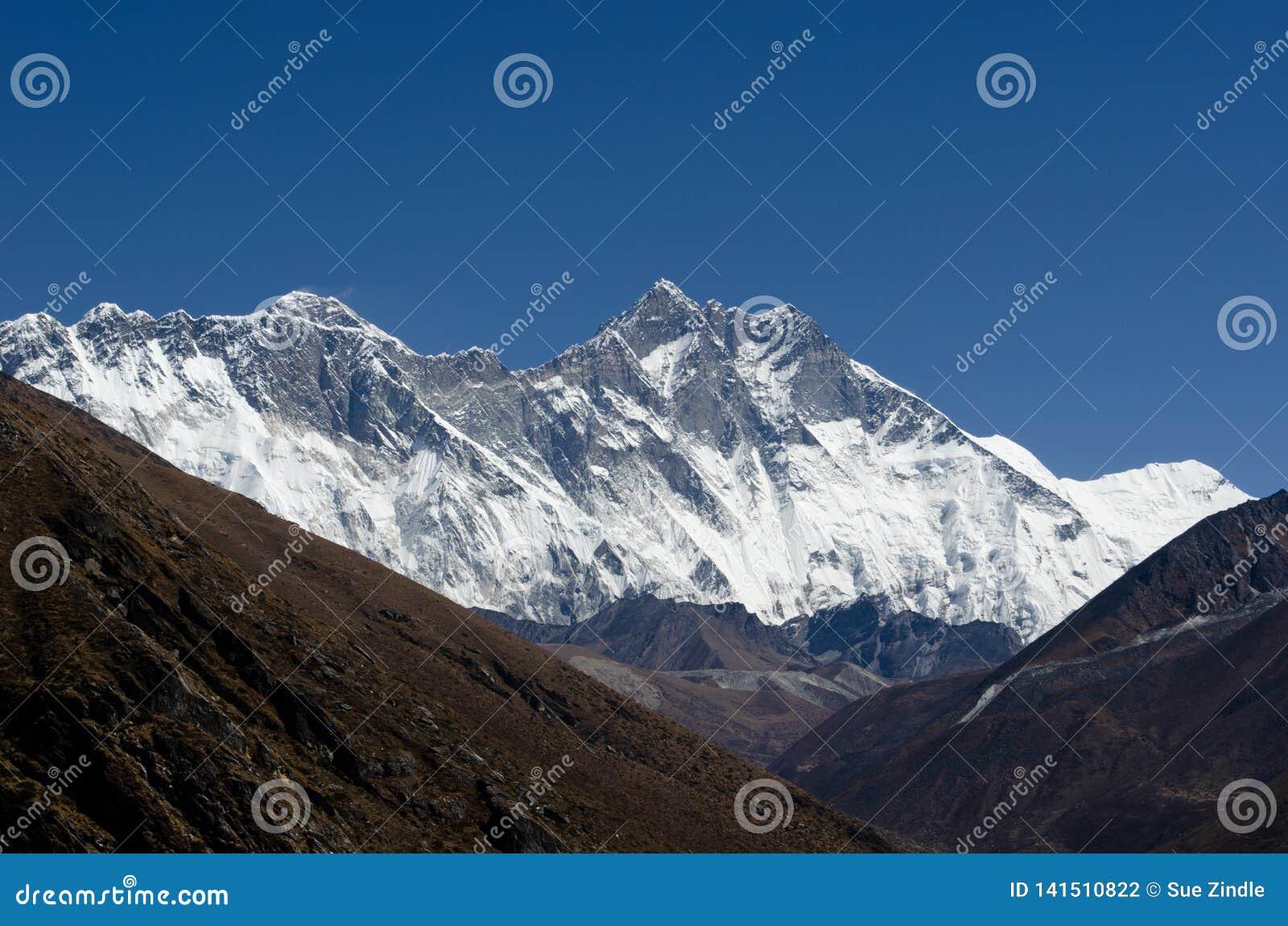L Himalaya Lhotse Everest