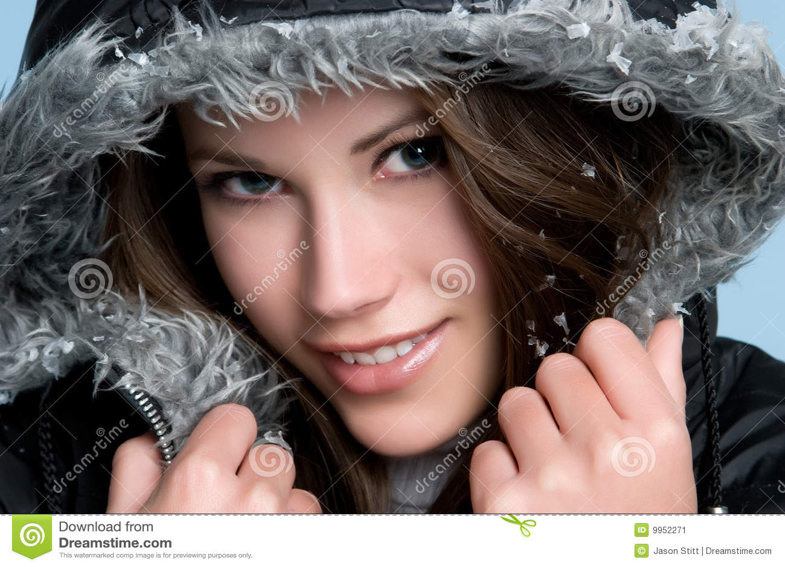 L hiver de sourire de fille