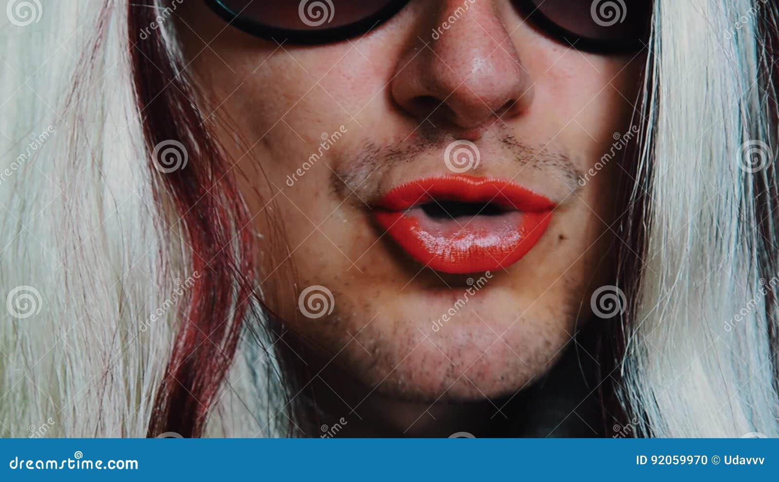 L'homme Perruque De Des Lunettes La Chez Femme Dans Soleil 0wOPk8n