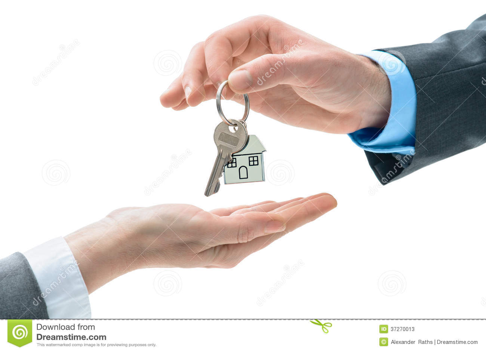 l 39 homme remet une cl de maison d 39 autres mains image stock image 37270013. Black Bedroom Furniture Sets. Home Design Ideas