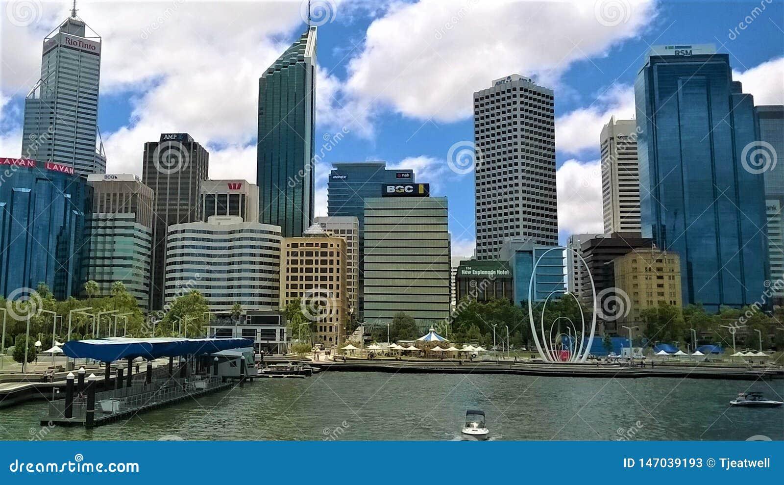 L horizon de ville de l Australie occidentale de Perth
