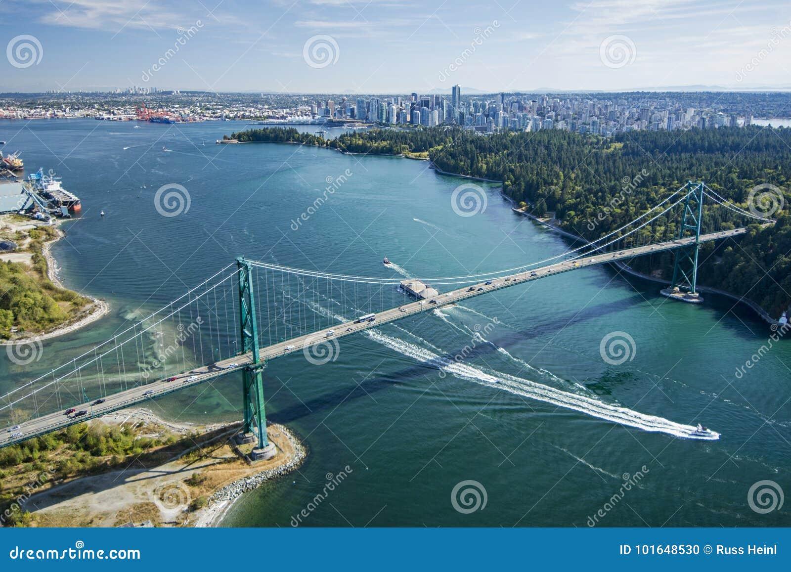 L image aérienne des lions déclenchent le pont, Vancouver, AVANT JÉSUS CHRIST