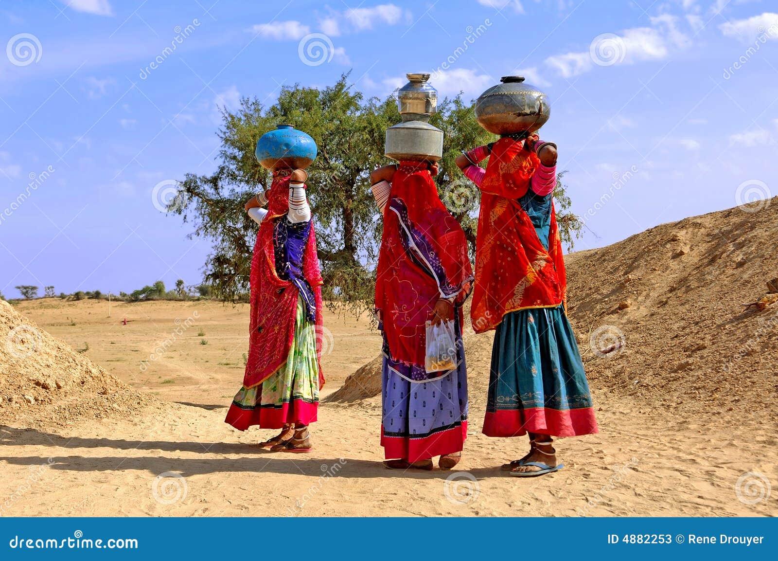 L Inde, Jaisalmer : Femmes dans le désert