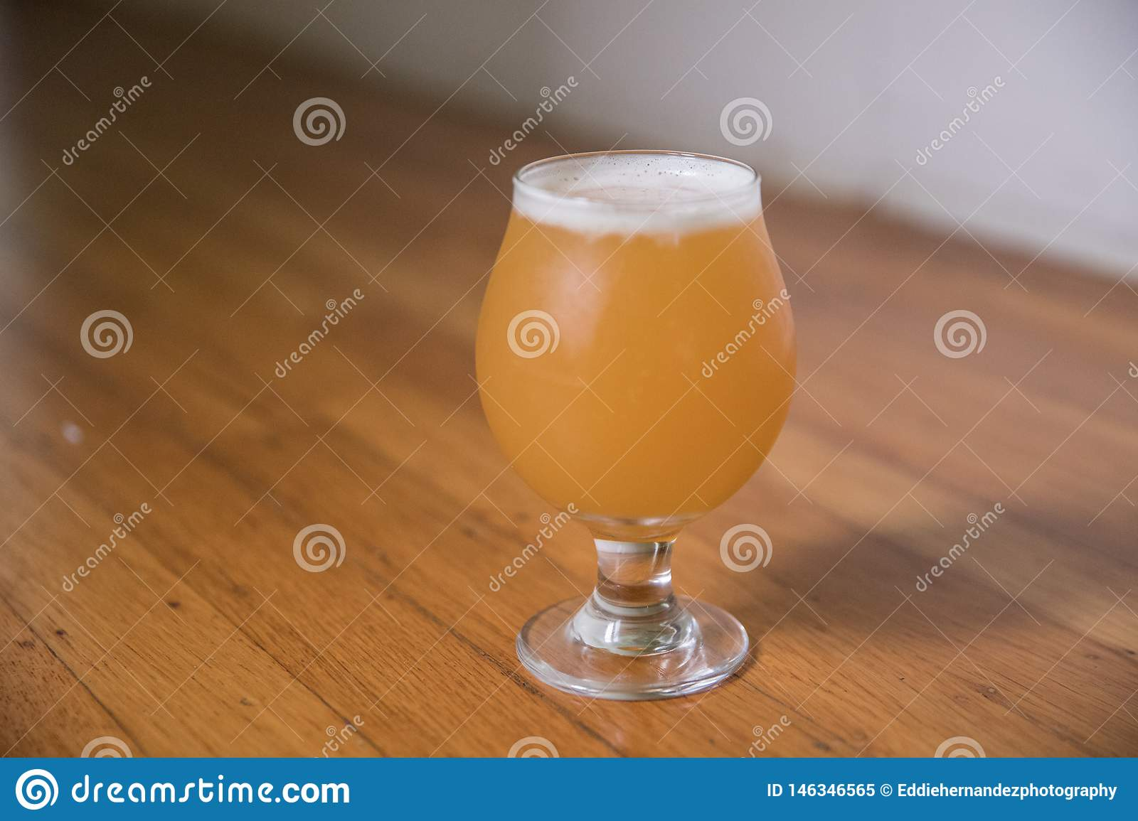 L India Pale Ale Craft Beer