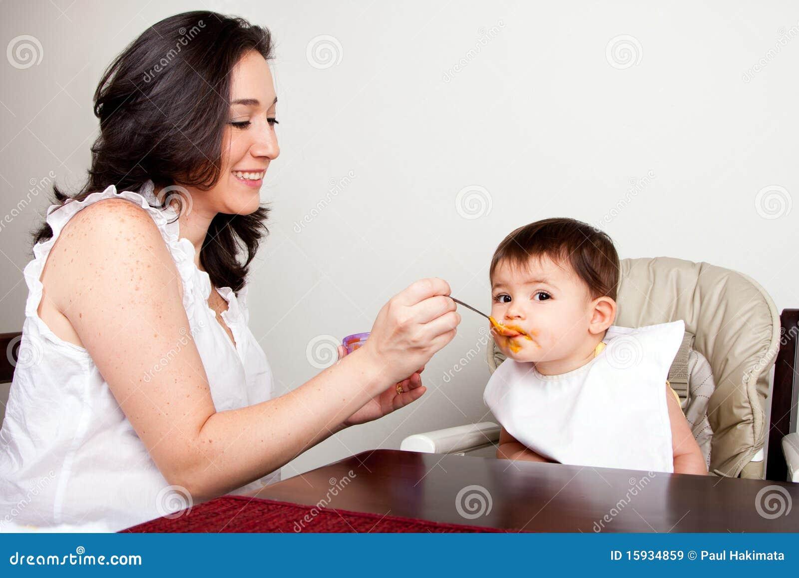 L infante mangia sudicio
