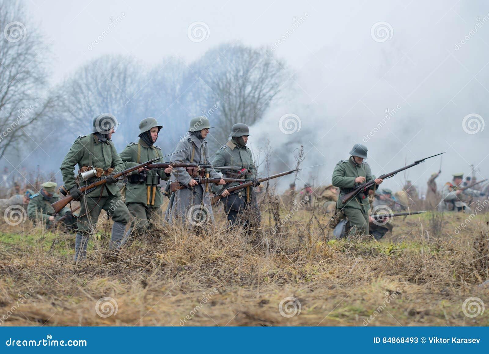 L infanterie allemande pendant le premier monde relève de l attaque Guerre civile de ` militaire-historique international de fest