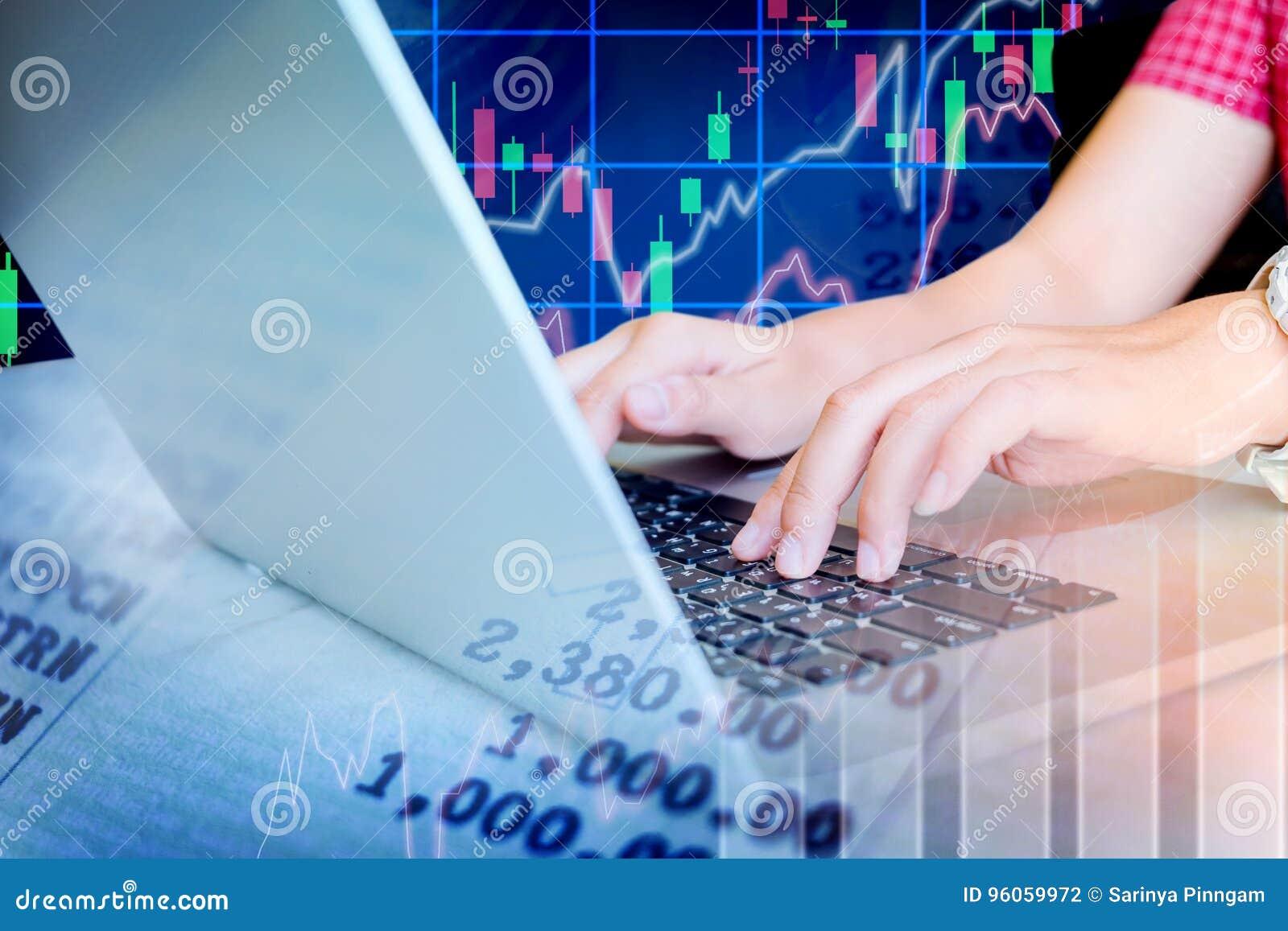 L information travaillante et Tradi d échange de marché boursier d ordinateur portable de femme