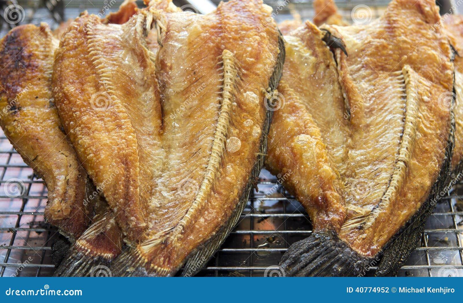 L 39 ingr dient de nourriture beau sur la cuisson de table for Nourriture du poisson