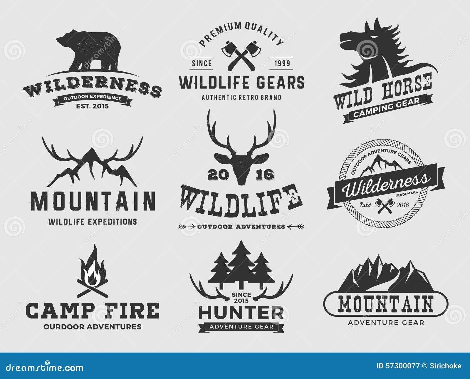 L insieme dell avventura all aperto della regione selvaggia e la montagna badge il logo, simbolizzano il logo, progettazione dell
