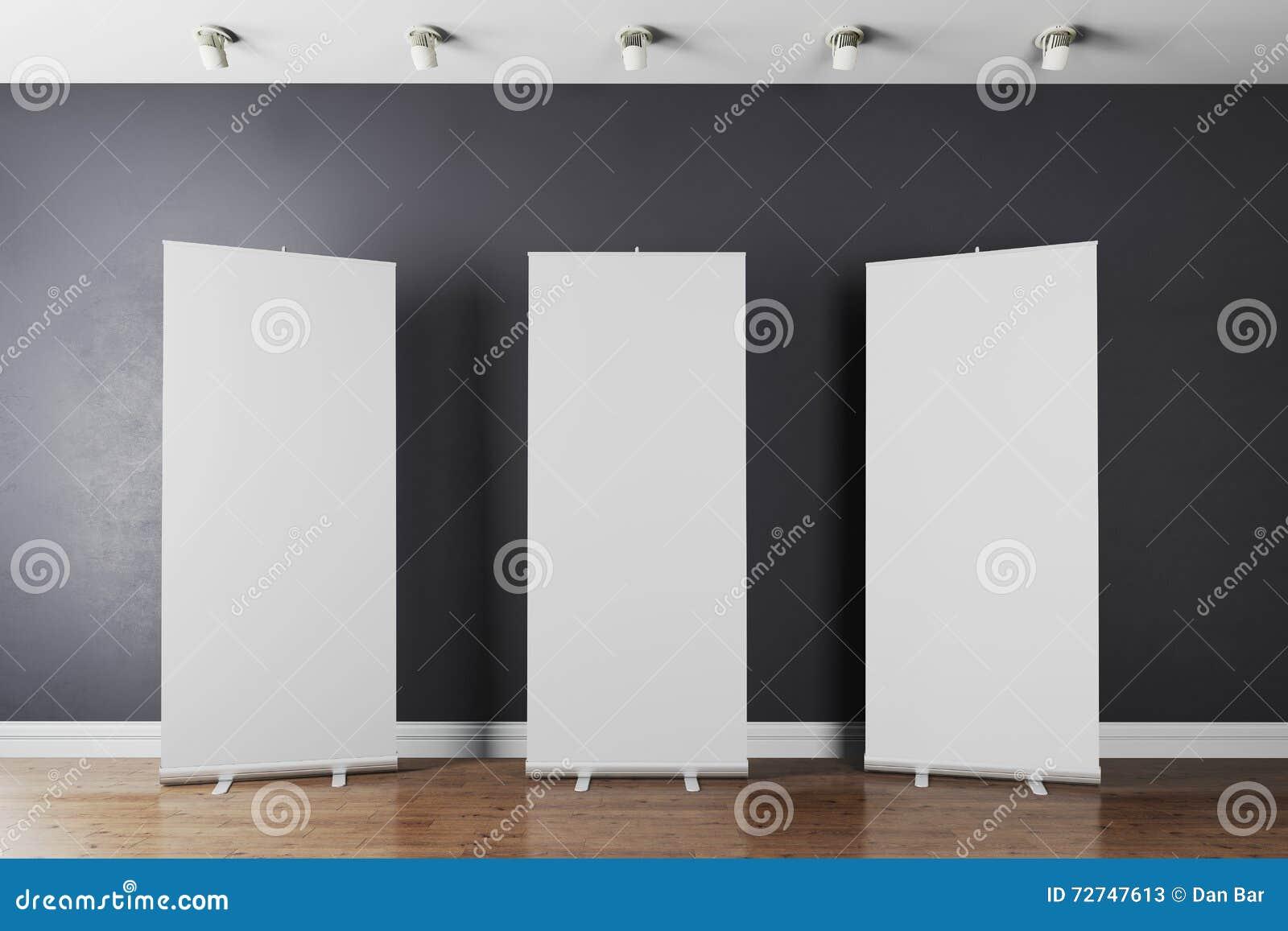 L intérieur 3d avec blanc vide enroulent des bannières
