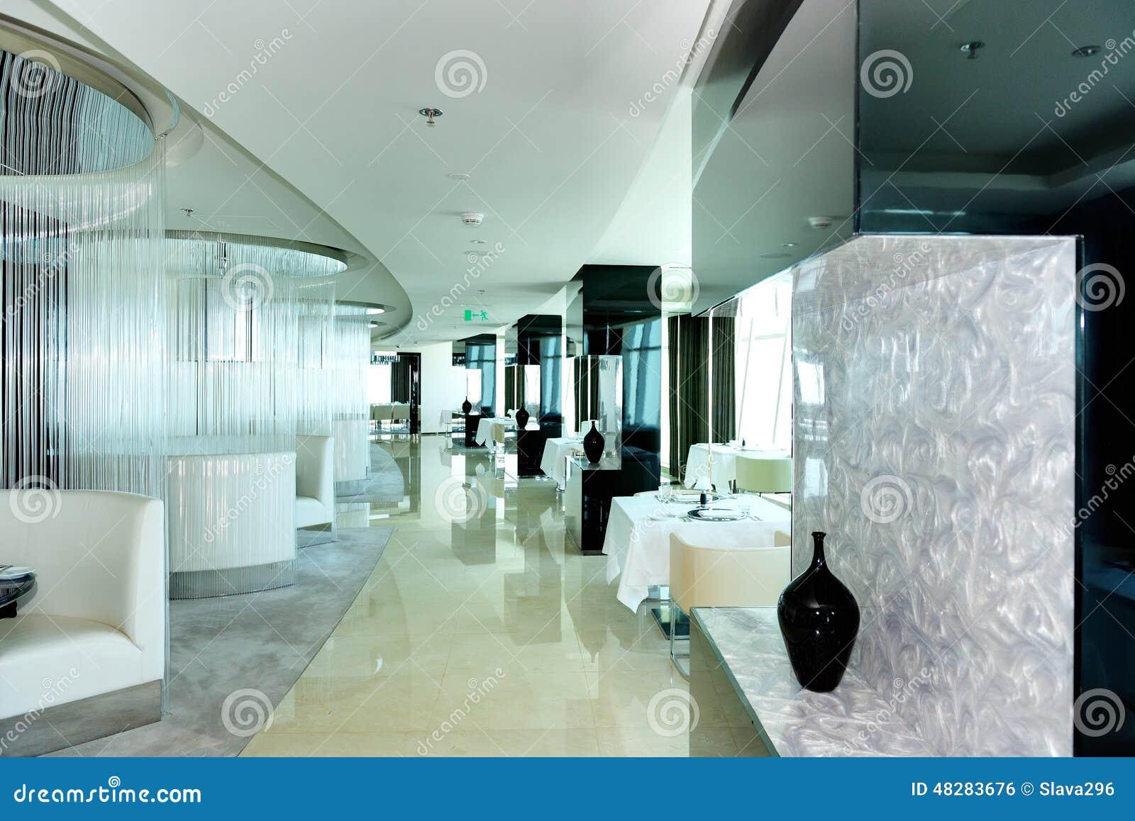 L 39 int rieur du restaurant de l 39 h tel de luxe moderne photo for Hotel design luxe france