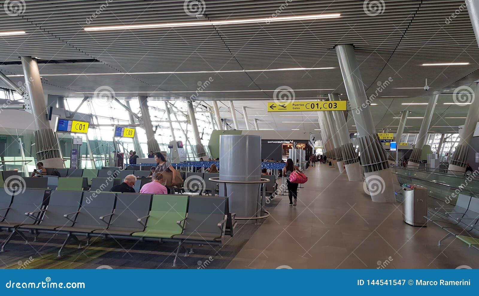 L intérieur du terminal de l aéroport international d Arturo Merino BenÃtez d aéroport de Santiago de Chile, Chili