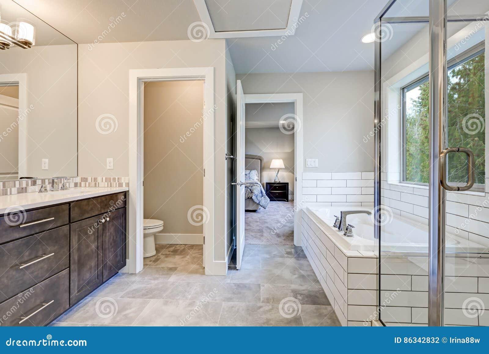 Salle De Bain La Reunion ~ l int rieur magnifique de salle de bains revendique le baquet de