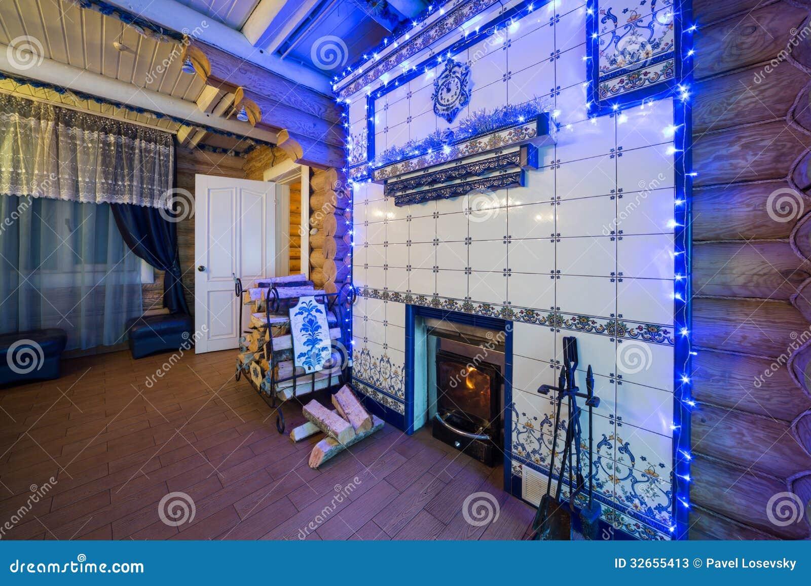 L 39 interno accogliente di una casa di campagna con un - Interno di una casa ...