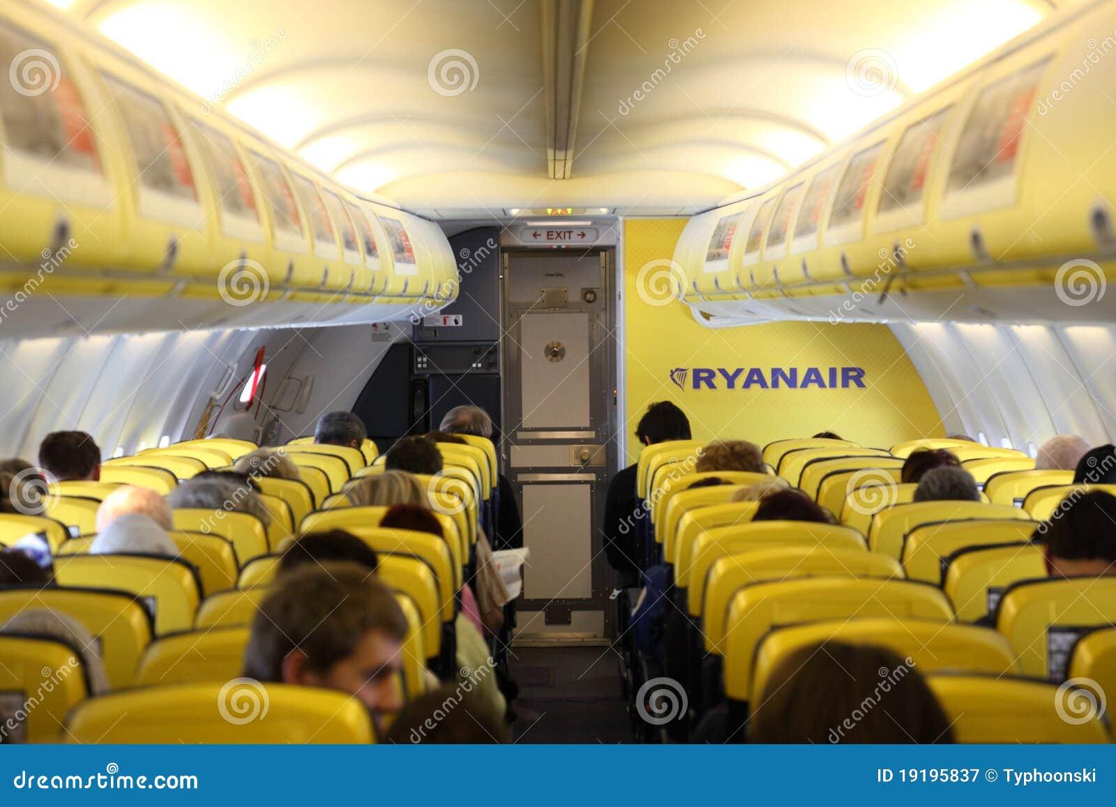 L 39 int rieur de de l 39 avion de ryanair photographie for A l interieur de l oreille