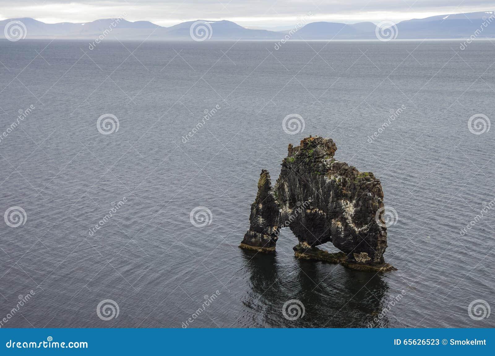 L Islande gigantesque en pierre