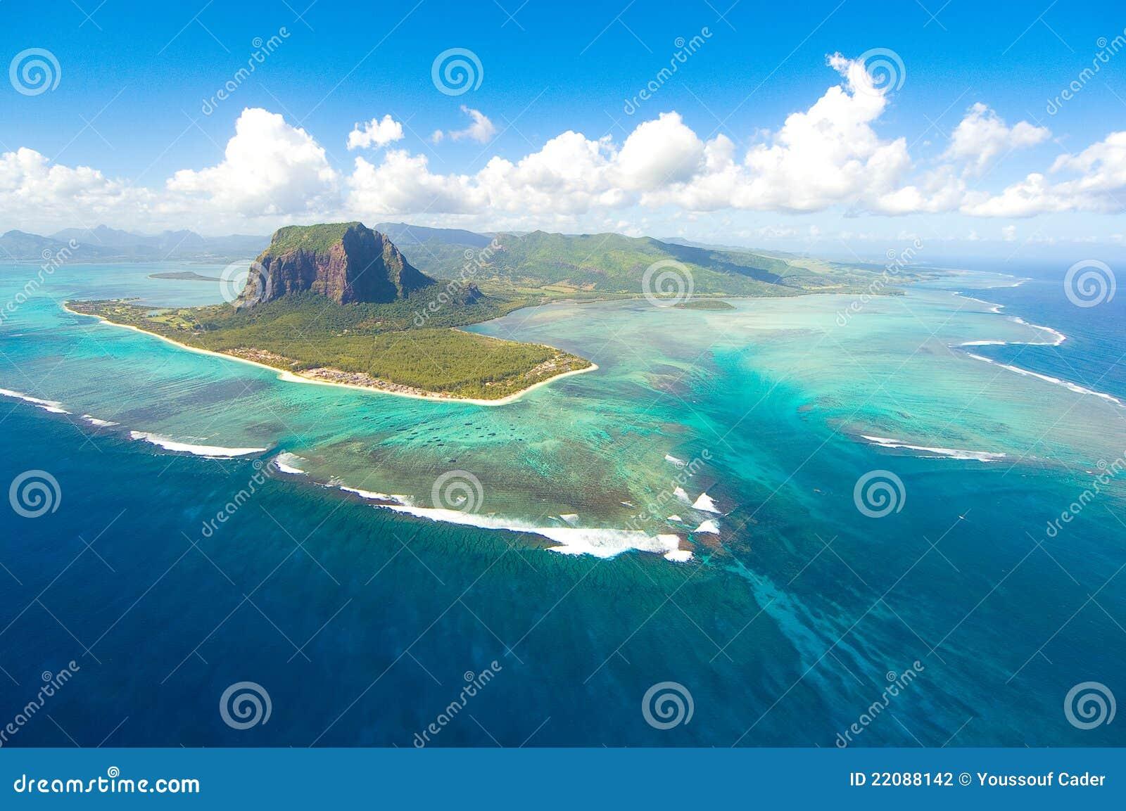 L Isola Maurizio aerea
