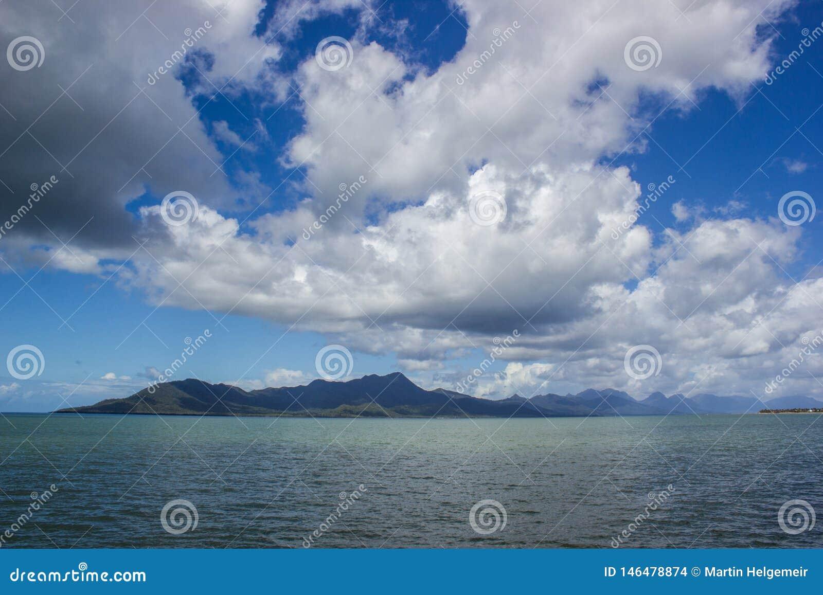 L isola un bello giorno di estate, missioni di successo di vista tira, il Queensland, Australia