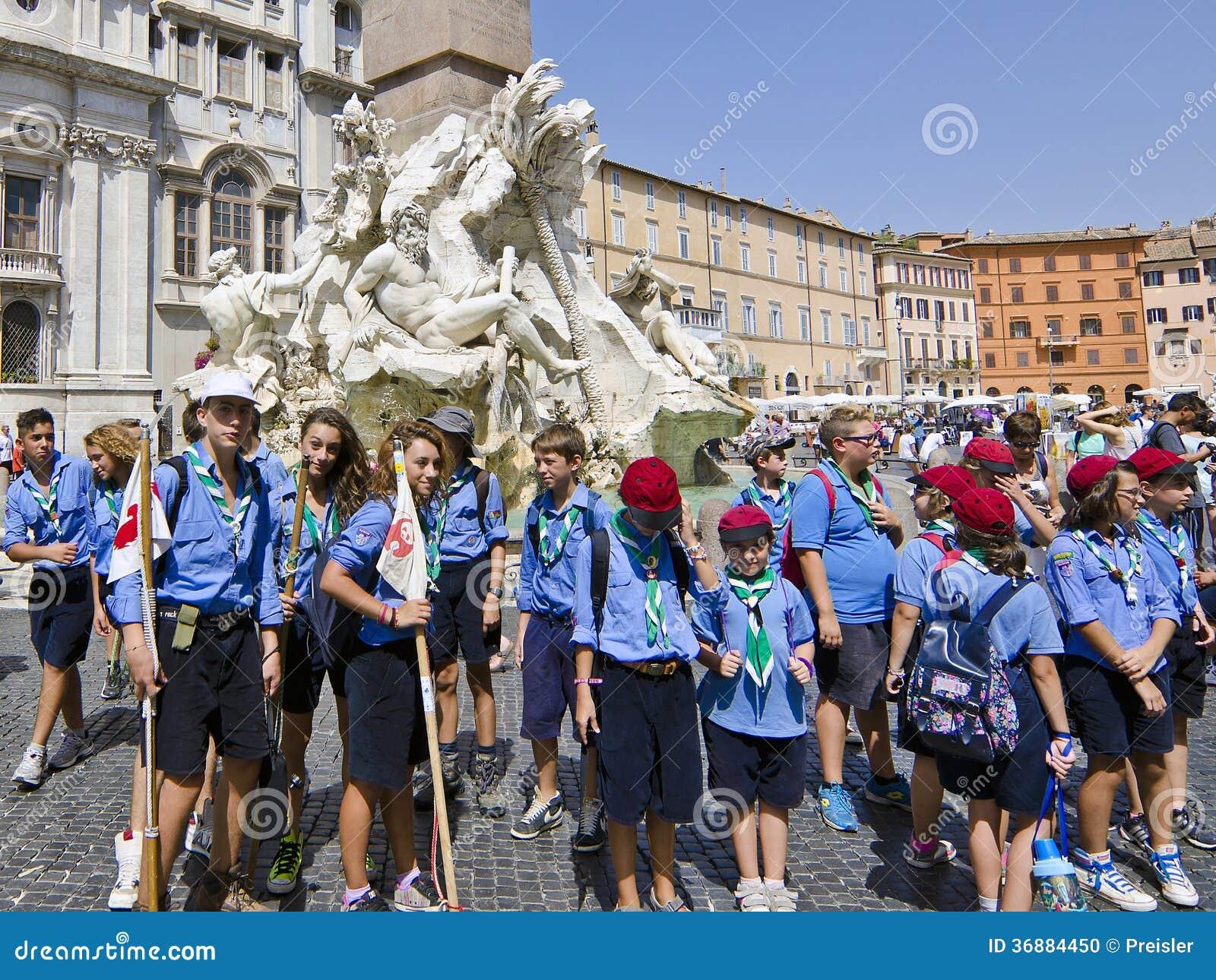 Download L'italiano esplora a Roma immagine editoriale. Immagine di cattolico - 36884450