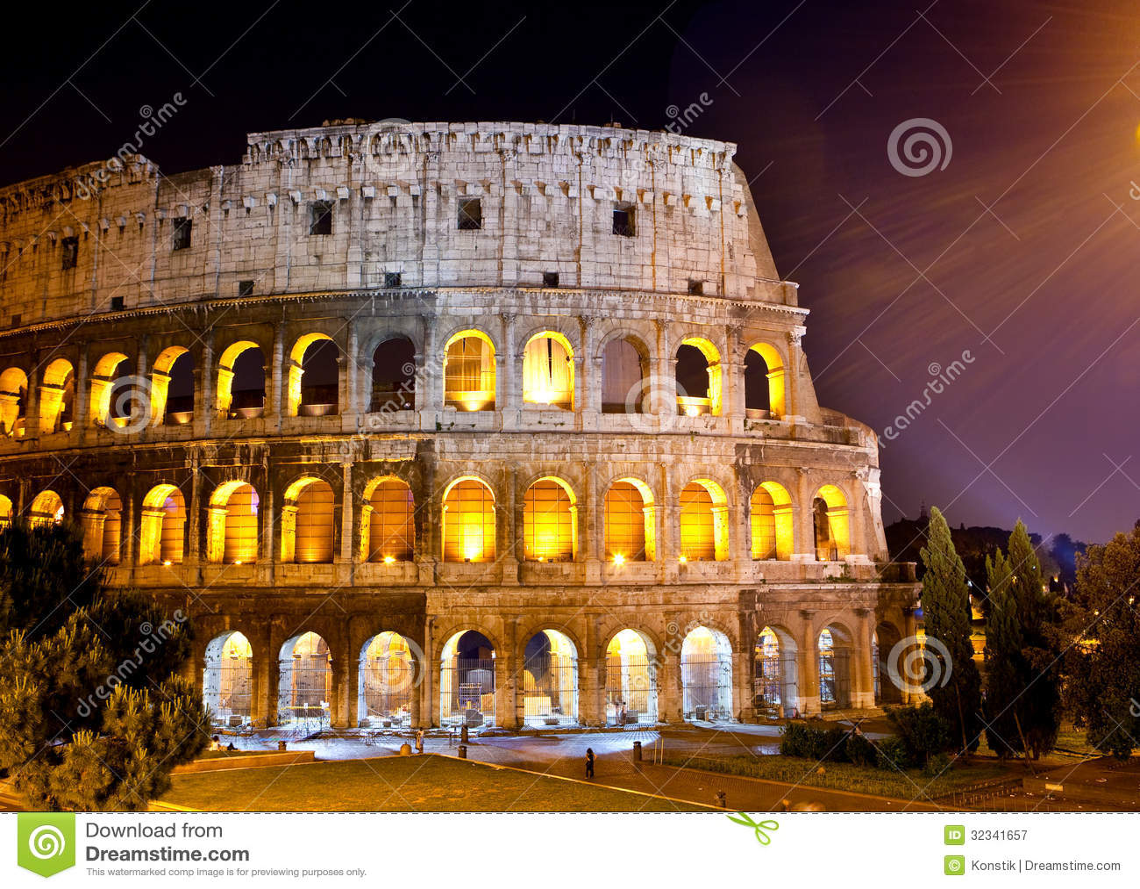 L 39 italie rome le paysage de ville de la nuit collosseo for Paysage de ville