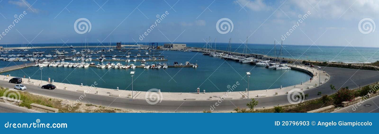 L Italie, Siciliy, la mer Méditerranée, marina