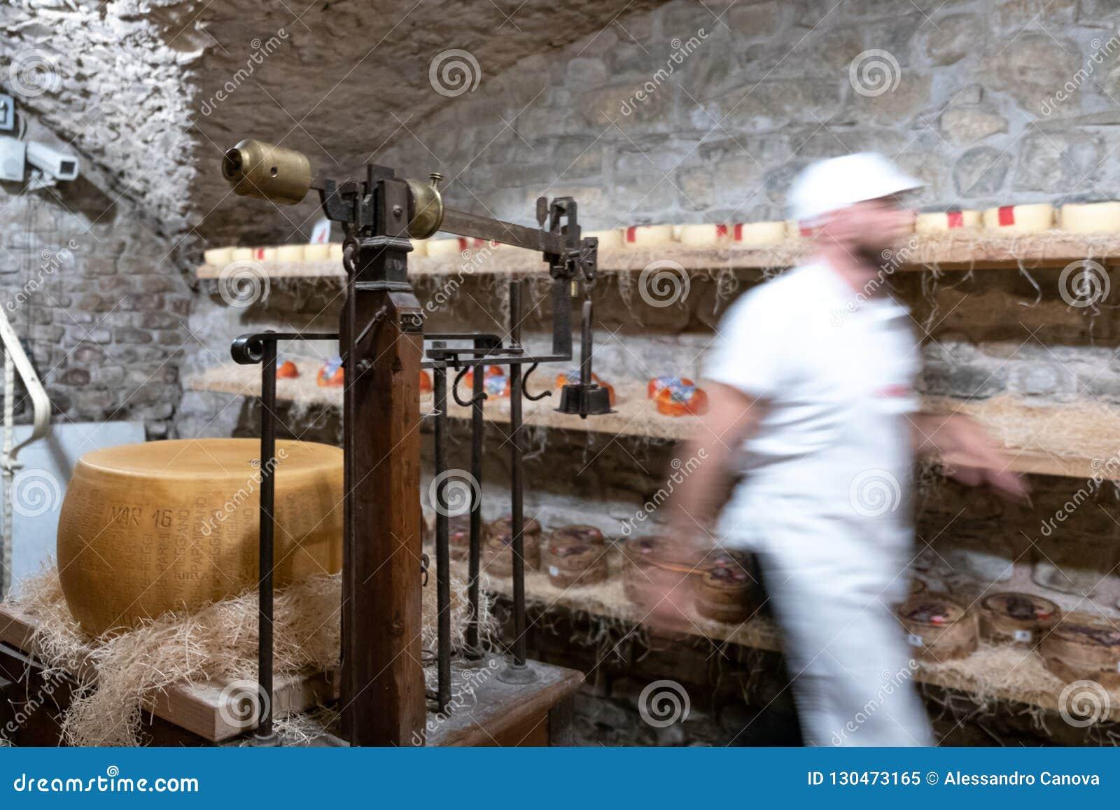 L Italie, Toscane, la province de Florence, Greve dans le chianti, magasin de fromage