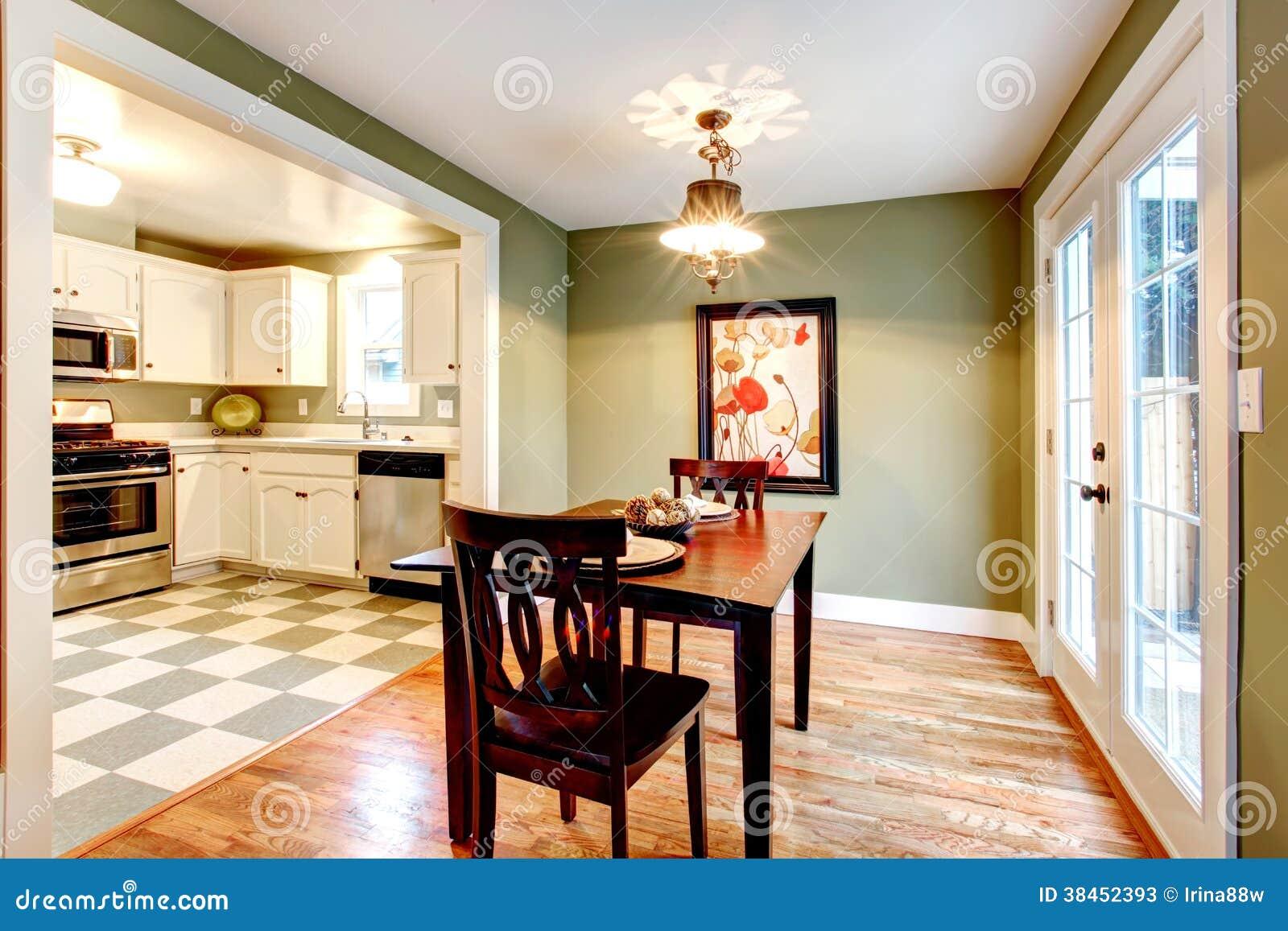 Cucina Con Parete Verde : Cucina con parete verde. Cucina bianca ...