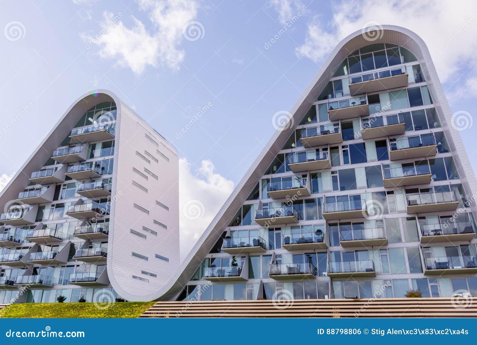 L 39 onda case futuristiche in vejle danimarca fotografia for Case futuristiche