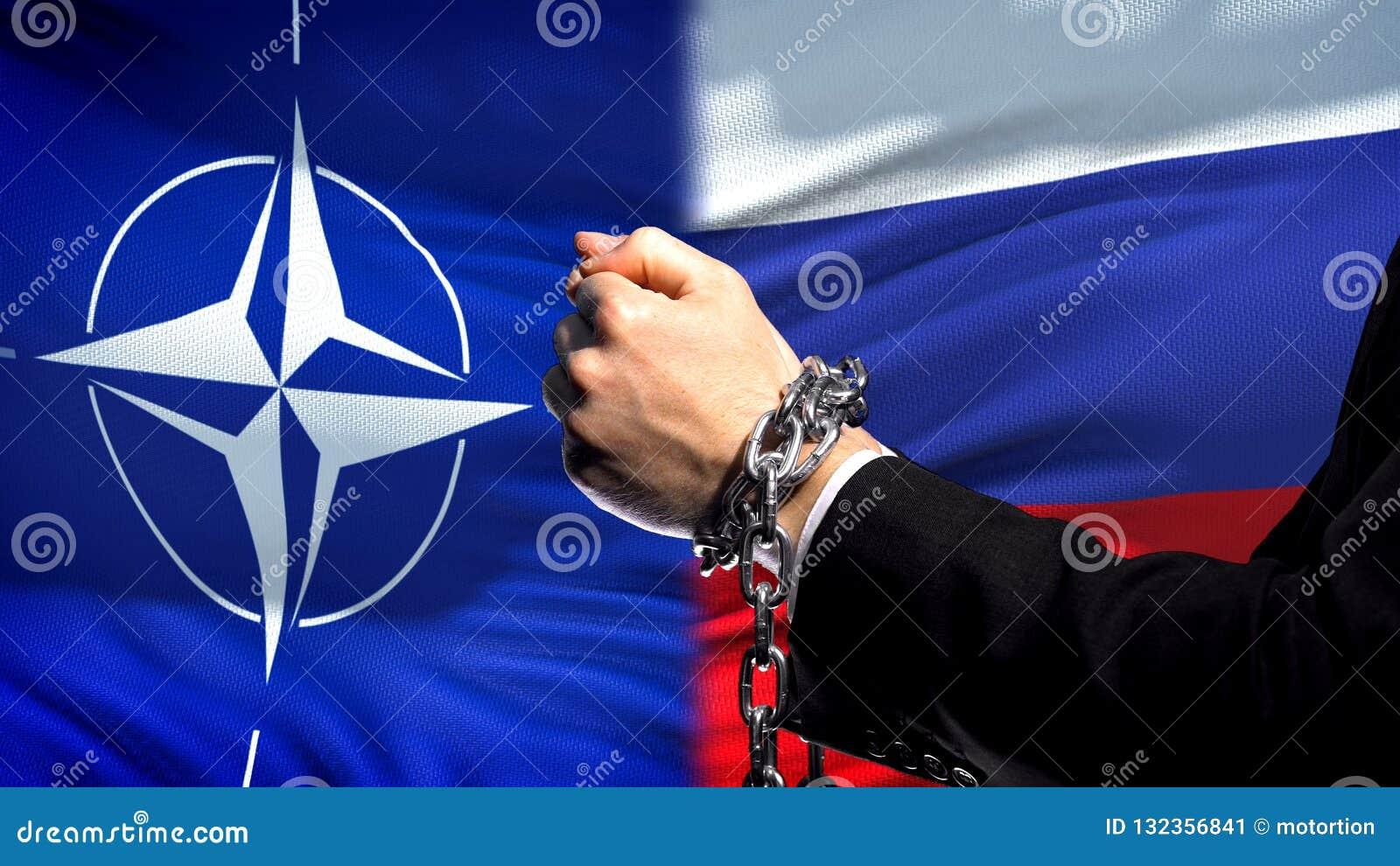 L OTAN sanctionne la Russie, le conflit de bras, politique ou économique enchaîné, la défense