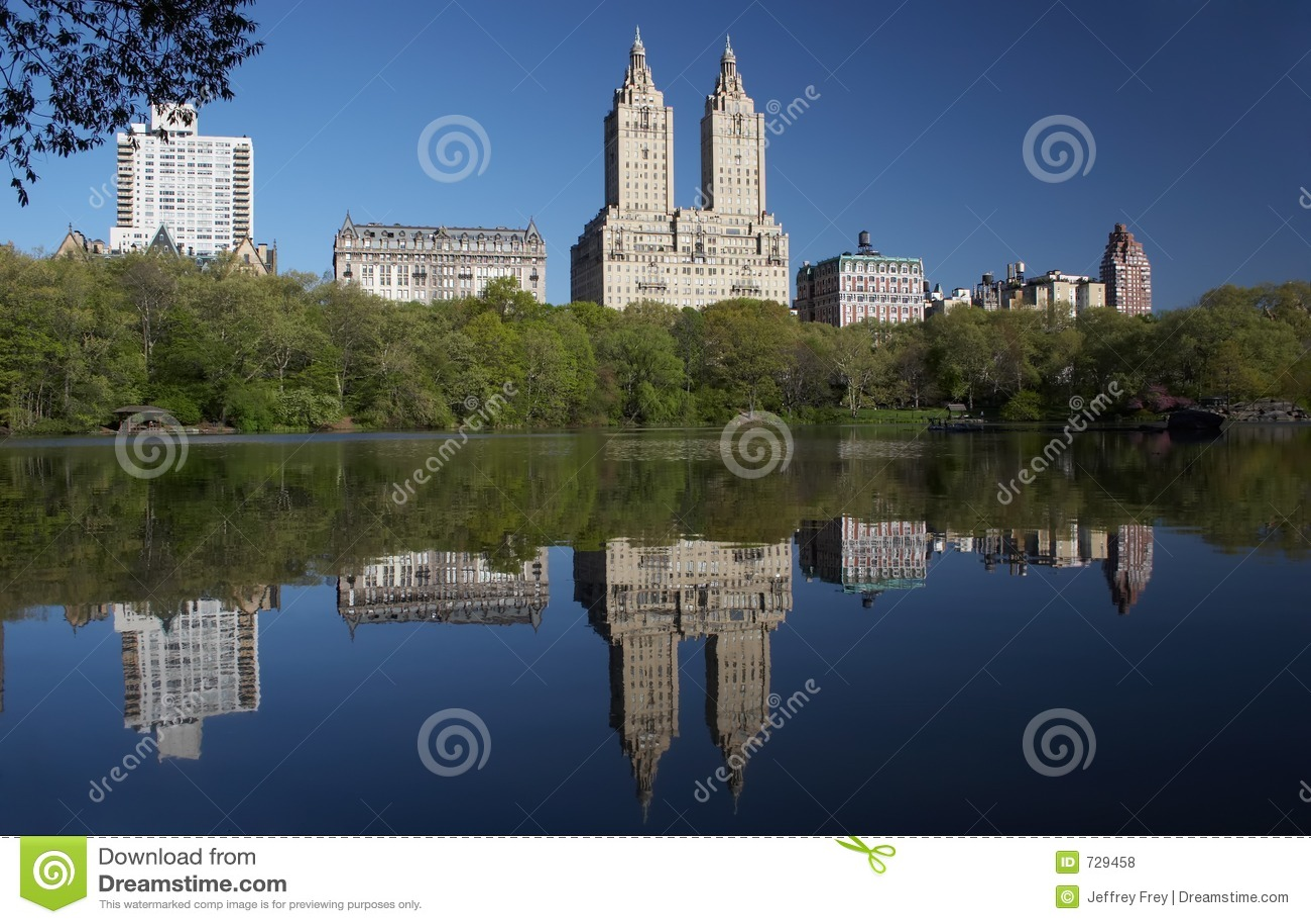 L ouest de Central Park se reflètent