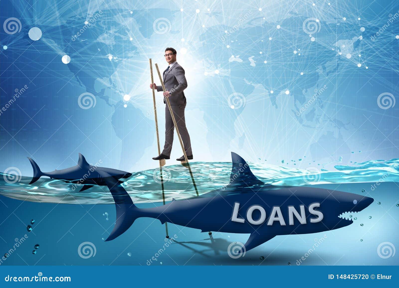 L uomo d affari che si occupa con successo dei prestiti e dei debiti