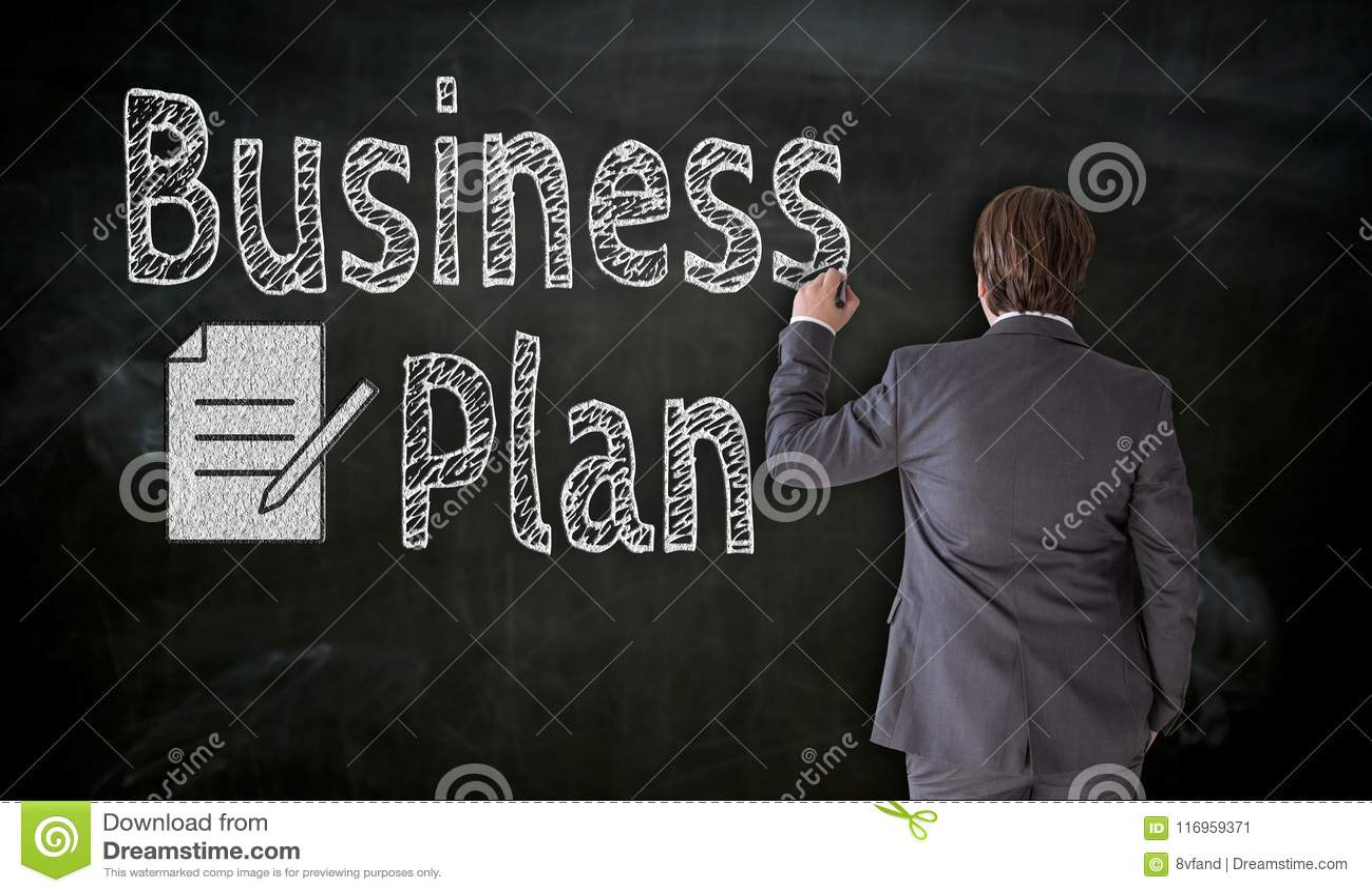 L uomo d affari dipinge il business plan sul concetto della lavagna