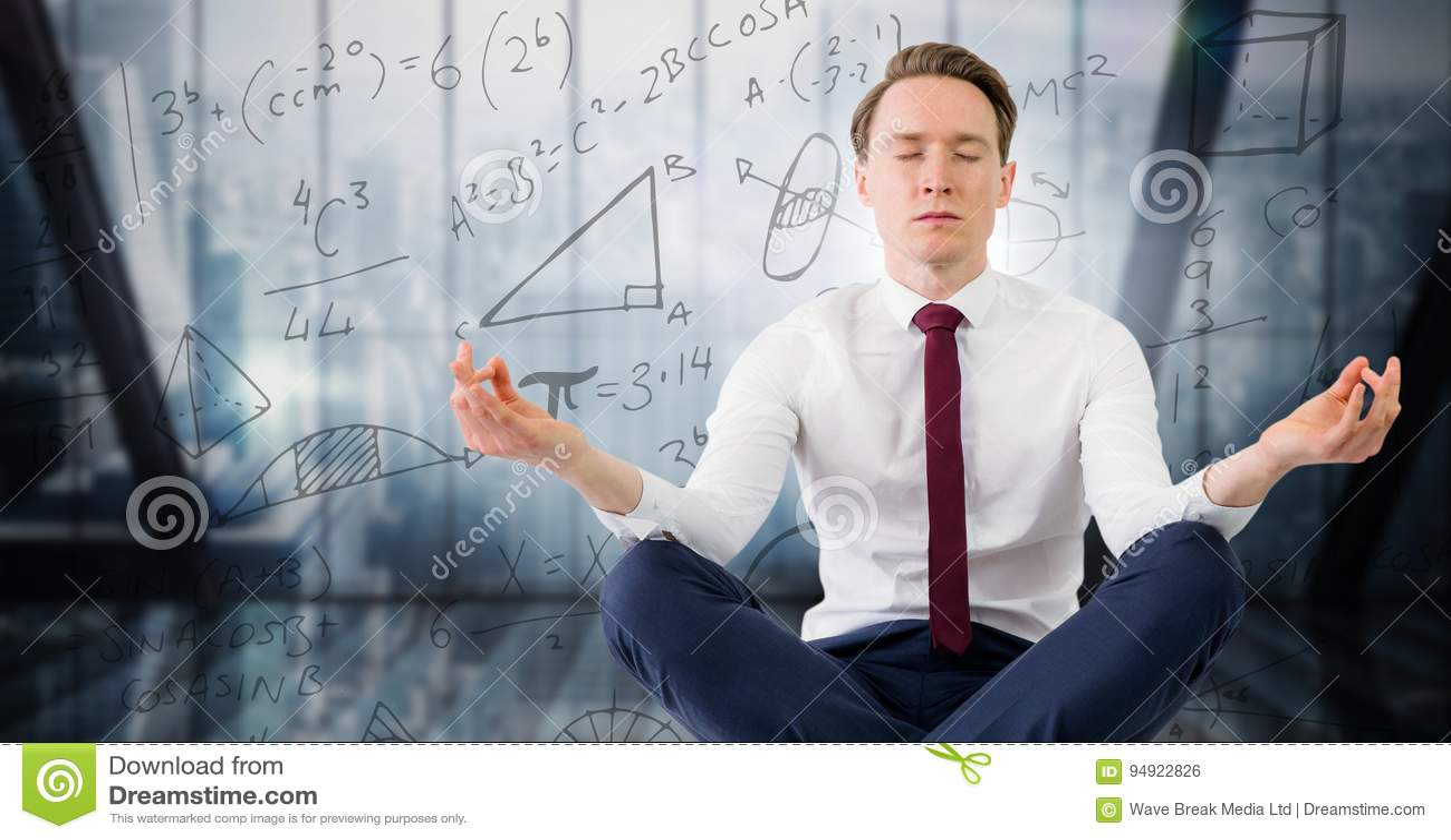 L uomo di affari contro la finestra blu ed il per la matematica scarabocchiano