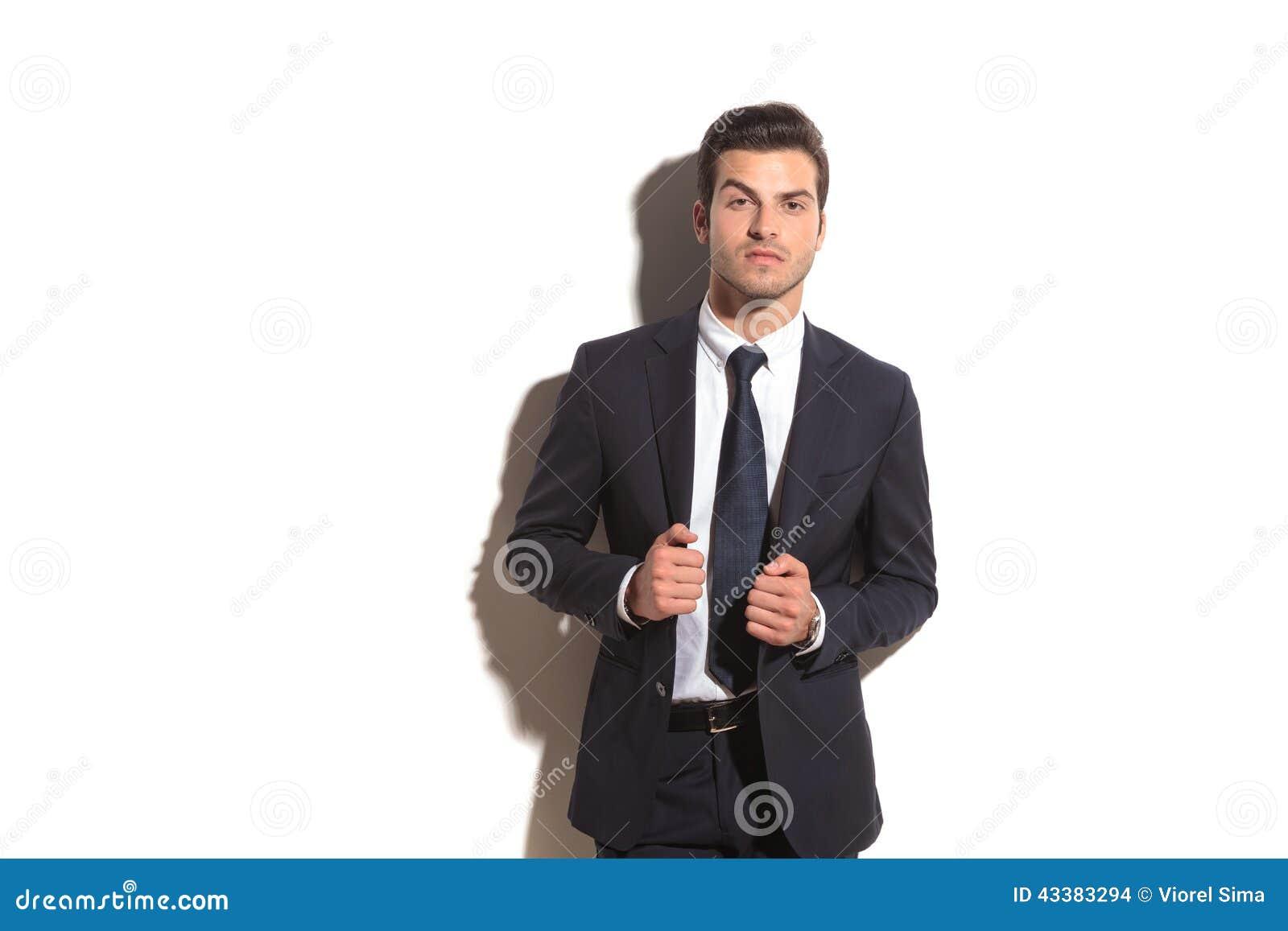 Cappotto Tira Suo L'uomo Affari Il Di Del Elegante Collare 1xzq8wF