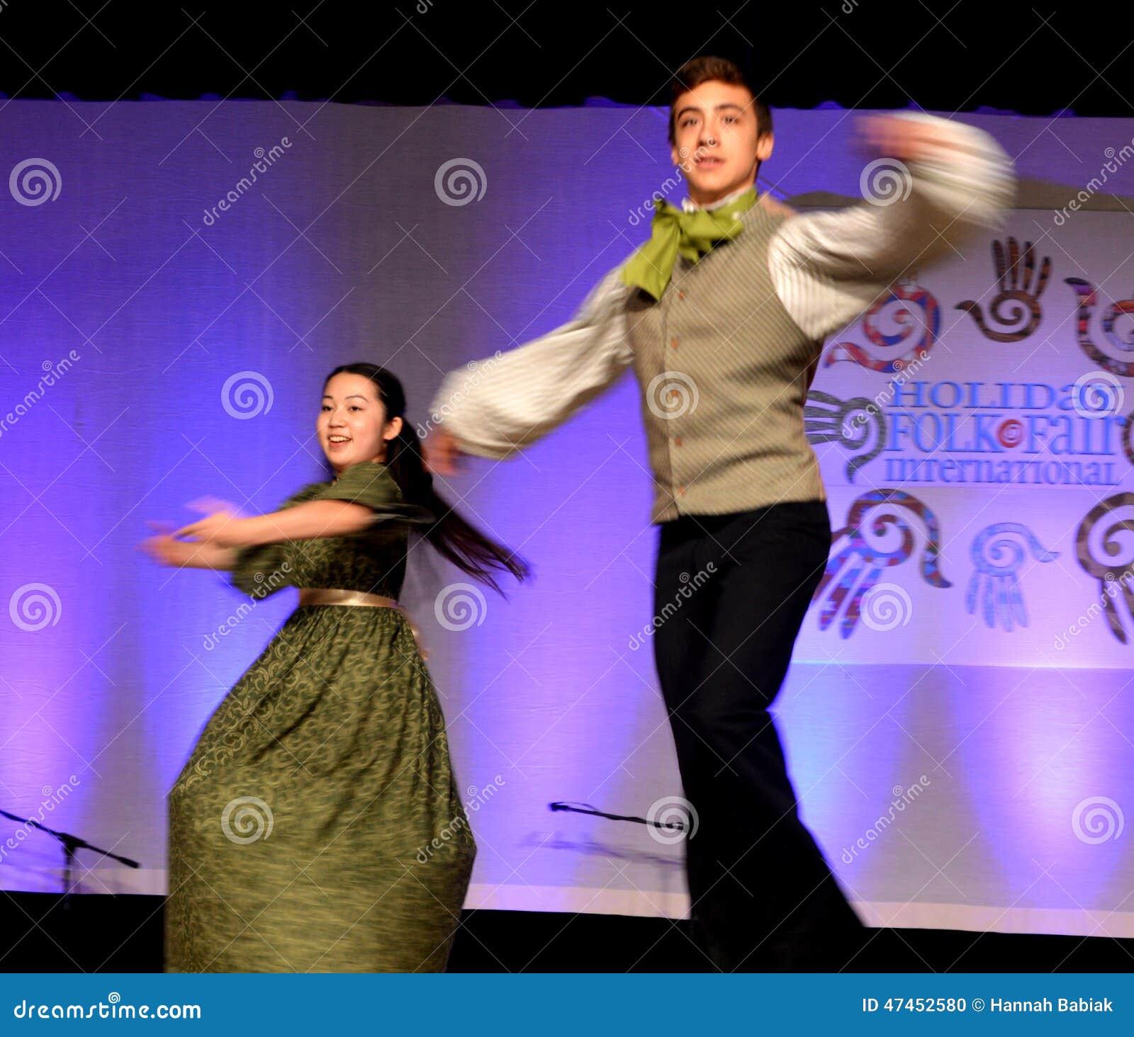 La马戏团jeunesse加拿大转动