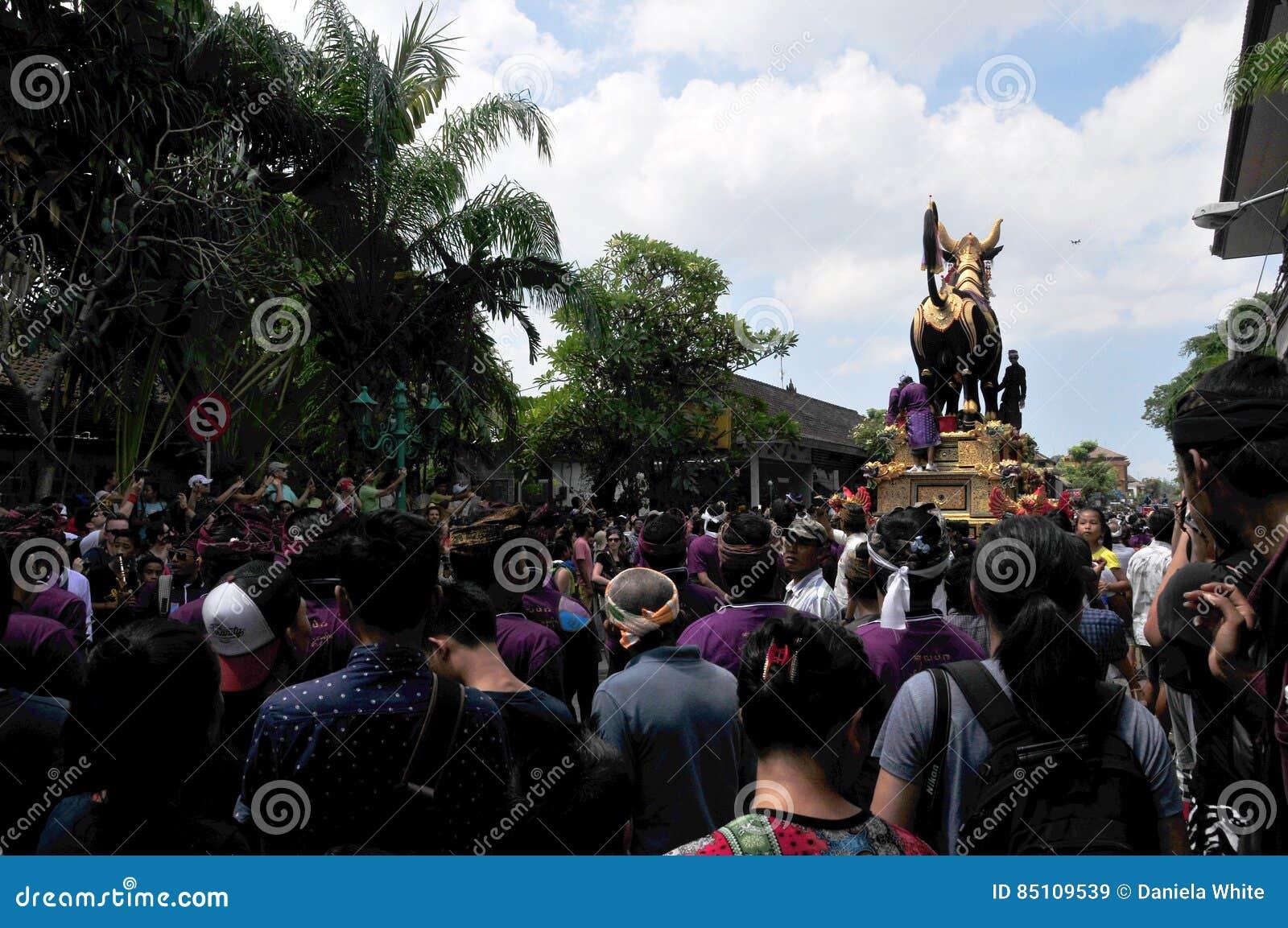 La asignación del ` archiva la ceremonia real de la cremación del `, Bali, Indonesia, Asi