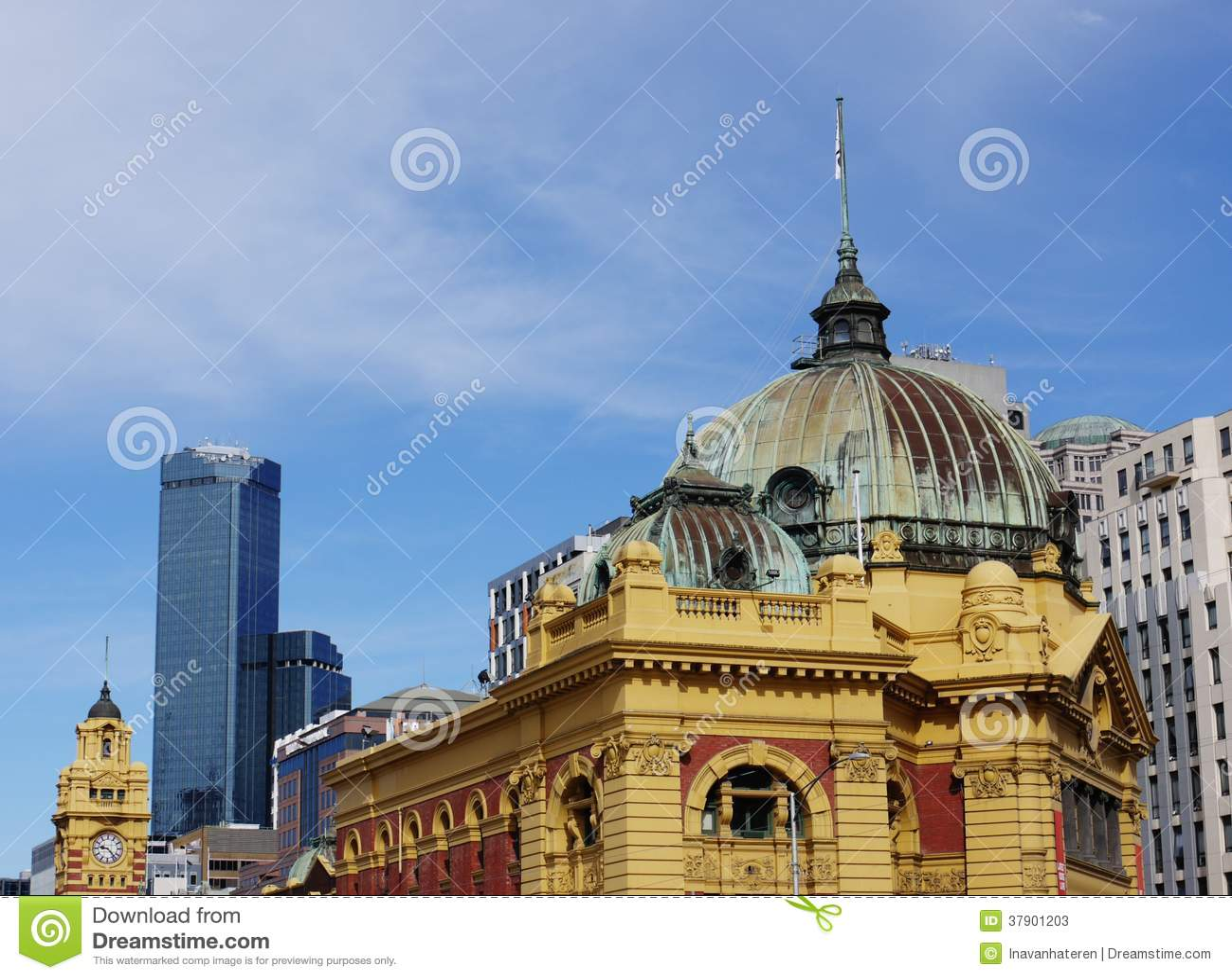 La bóveda de la estación amarilla del Flinders