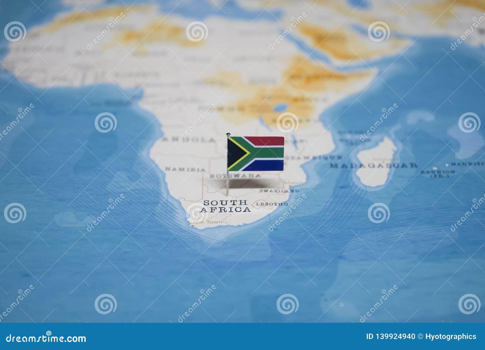 La bandera de Suráfrica en el mapa del mundo