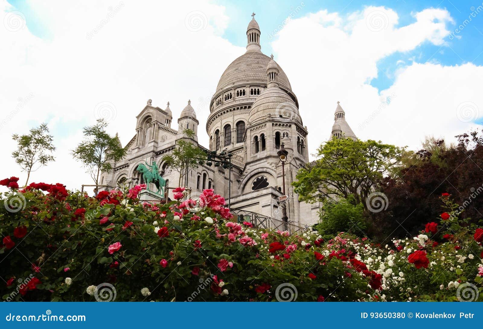 La basílica de Sacre-Coeur en Montmartre, París